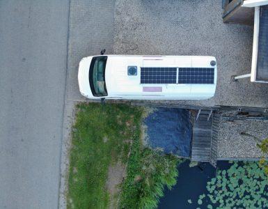 zelfbouw-buscamper-zonnepanelen