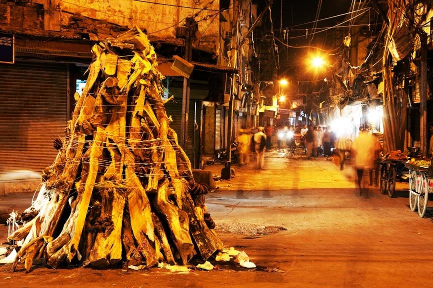Brandstapel Holi festival