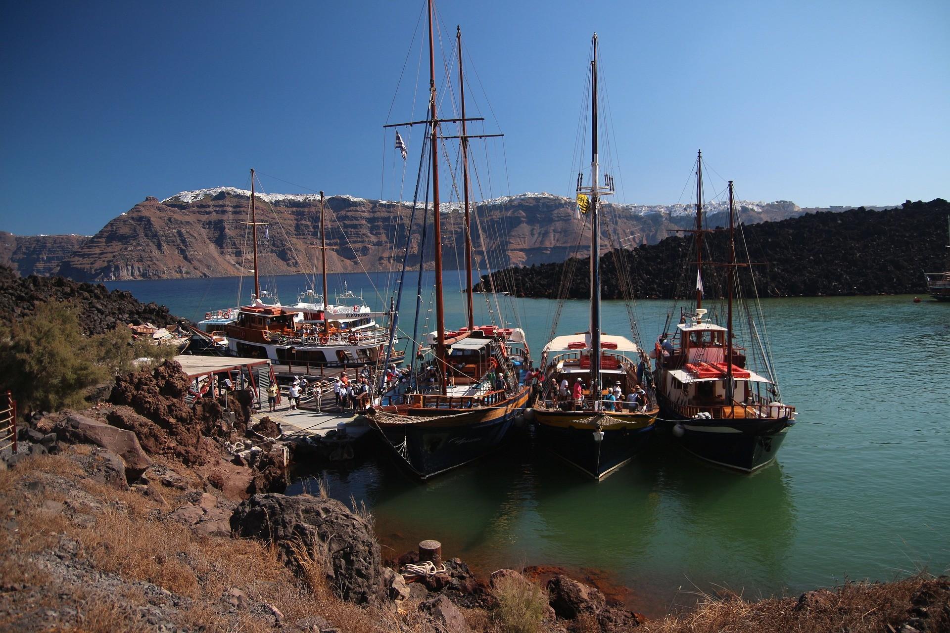Nea Kameni, Must sees in Santorini