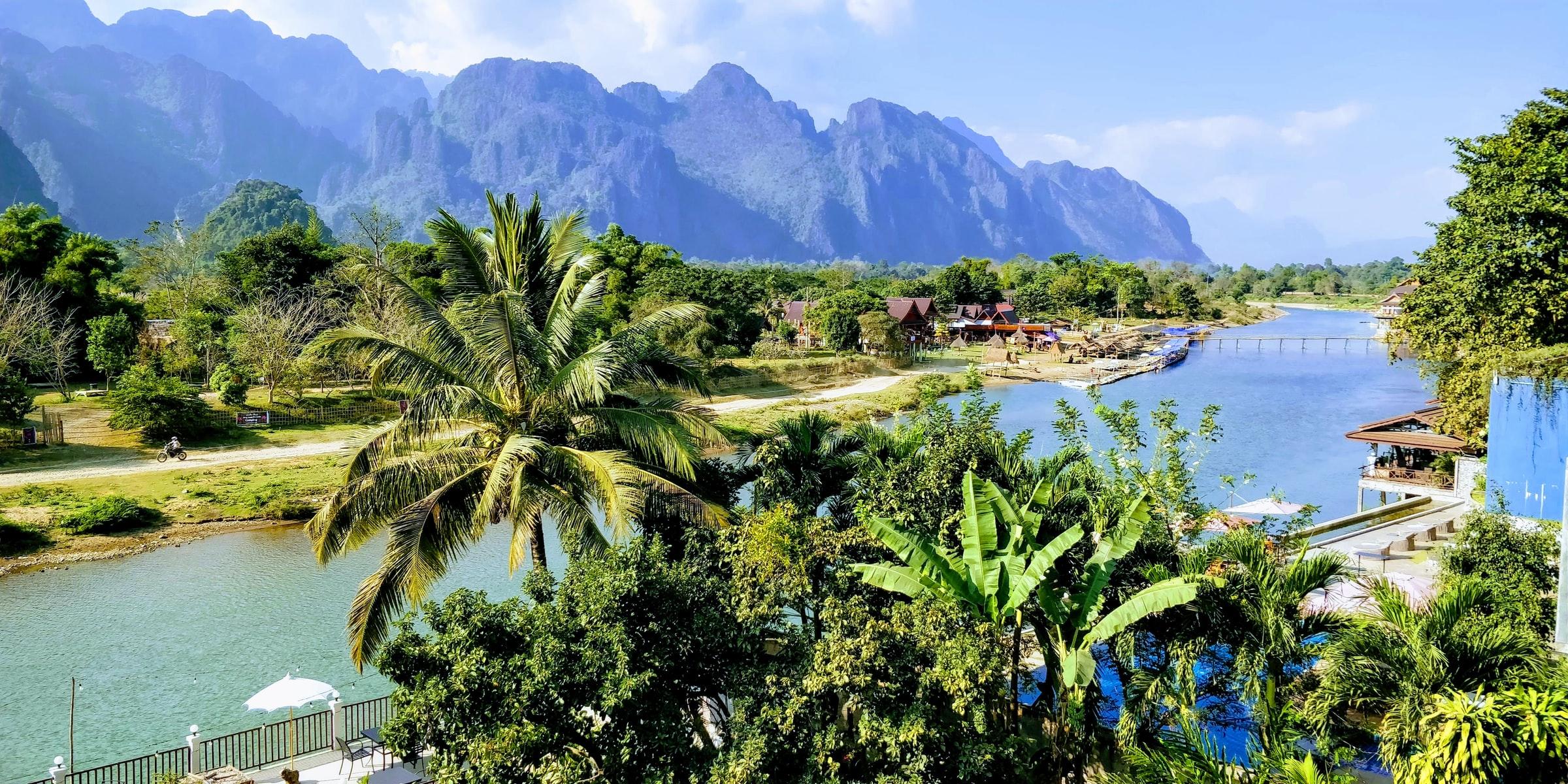 Ga op de scooter door Laos voor panoramische traktaties