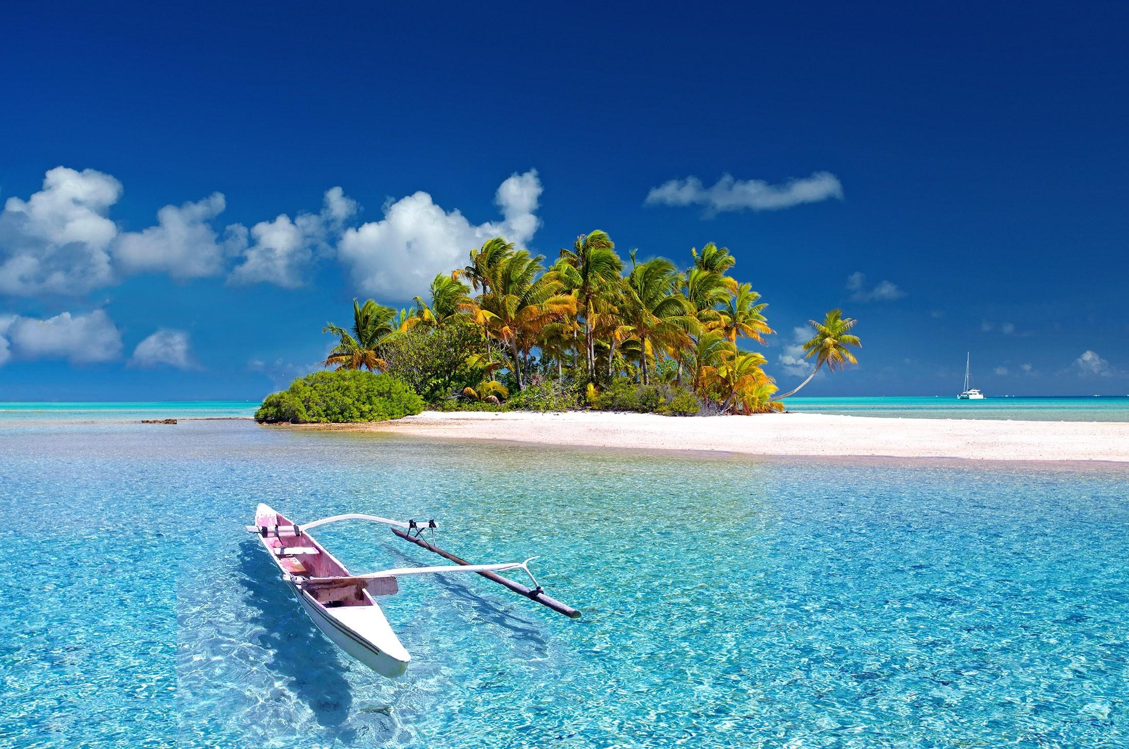 Een strand in Polynesië om bij weg te dromen
