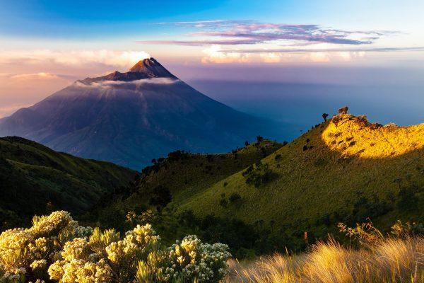 Vulkaan op Java, 25 grootste eilanden ter wereld