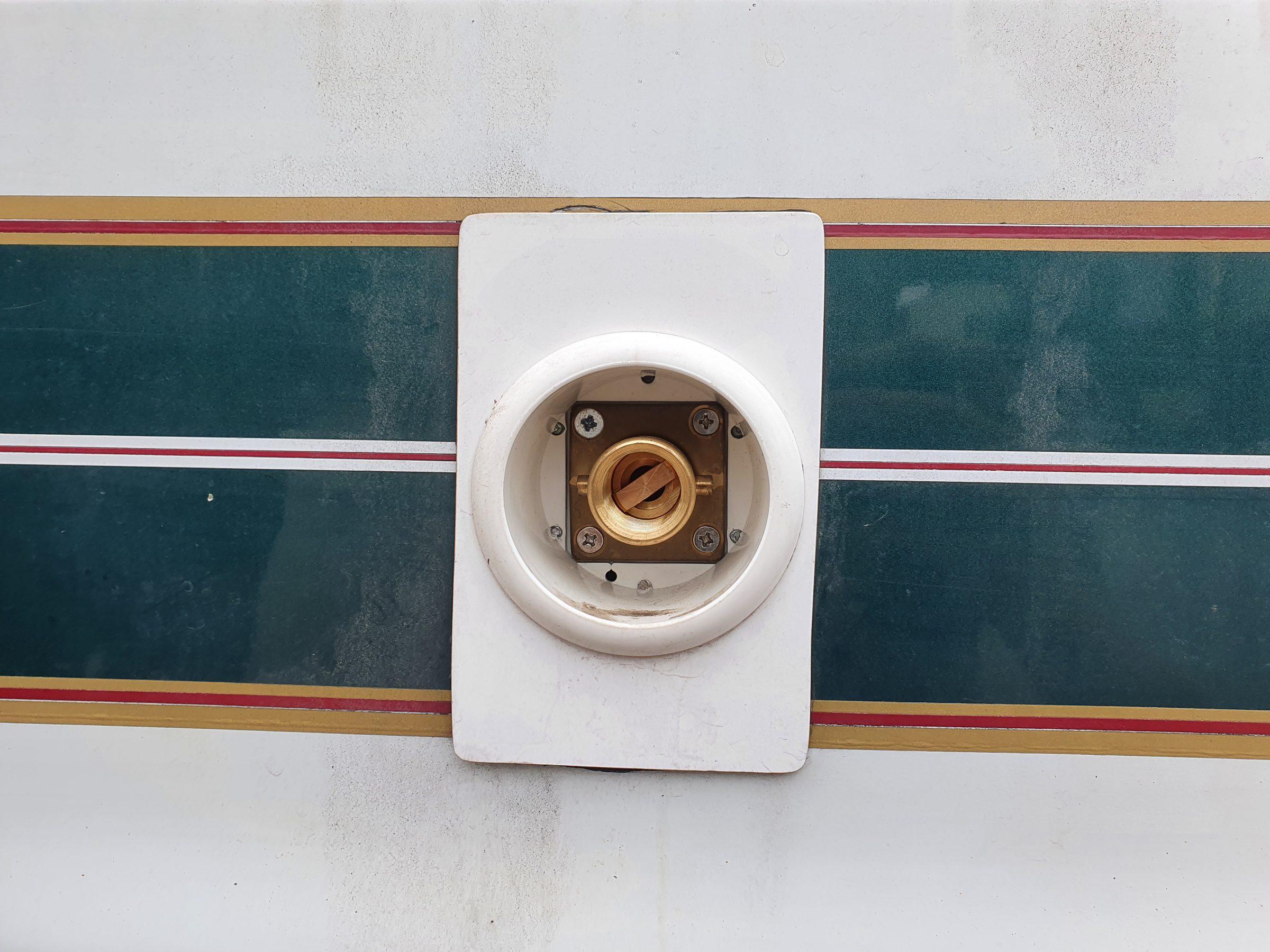 Reisstel.nl   Camper tips uit de praktijk   LPG buiten vulinstallatie