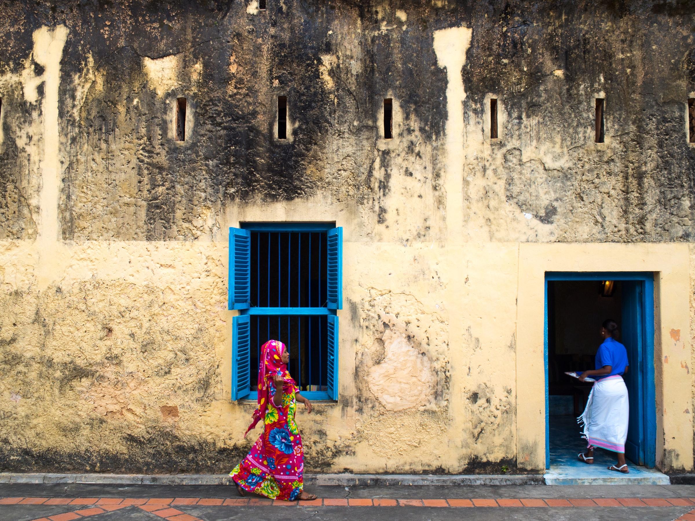 Een typisch straatbeeld in Zanzibar