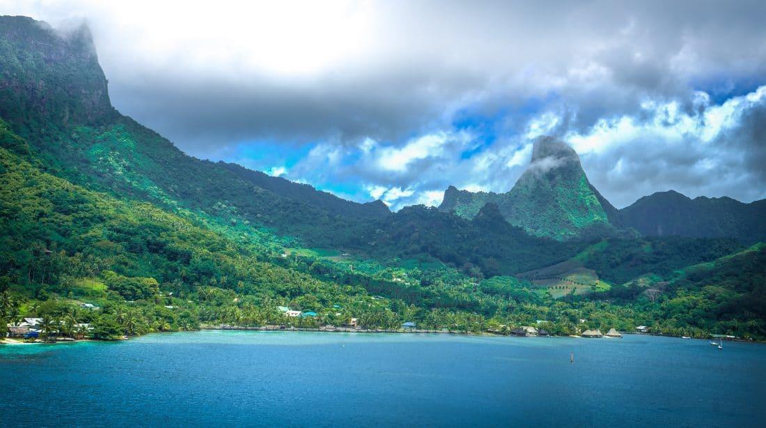 De bergen van Moorea, Tahiti