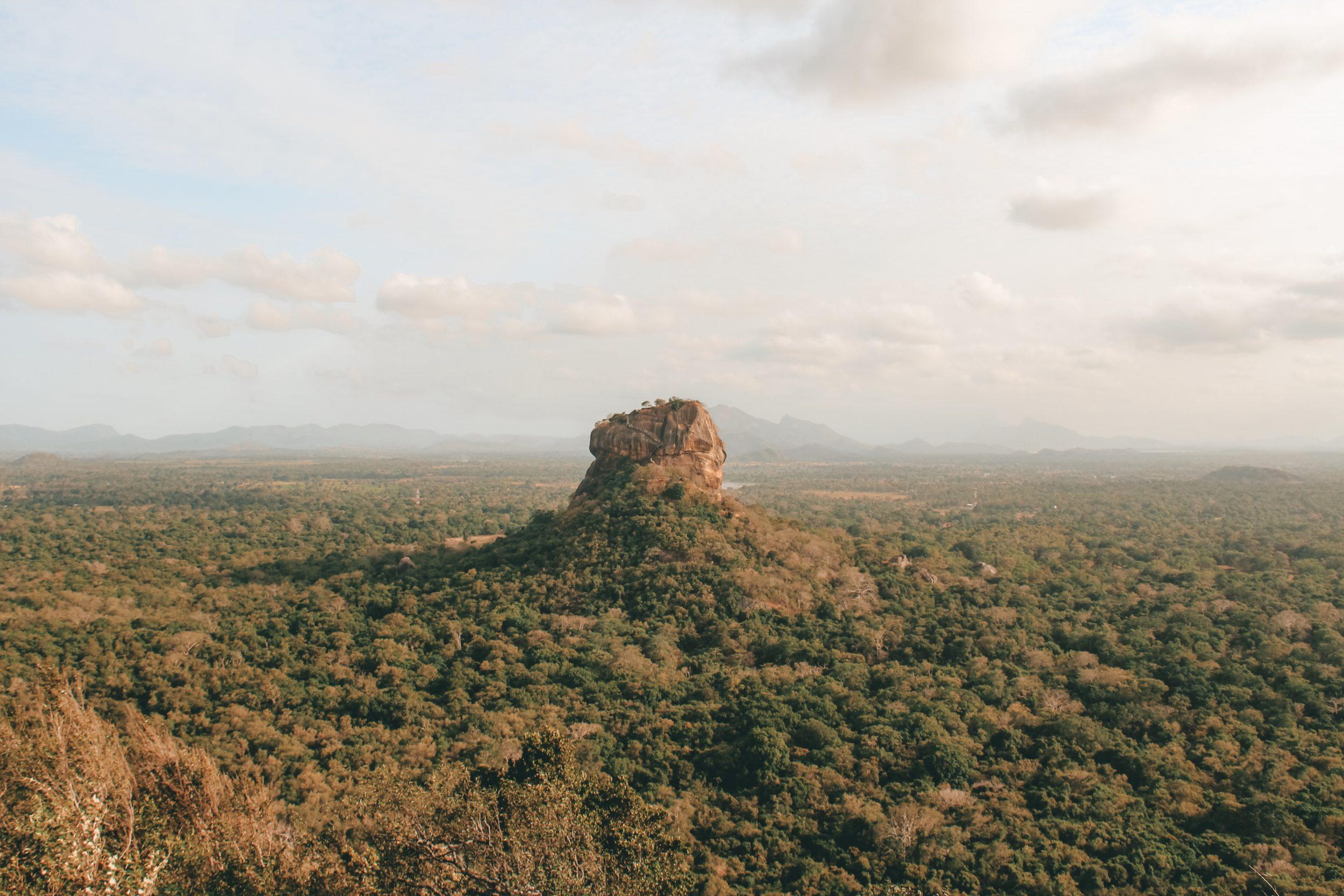 Uitzicht op Lion Rock vanaf Pidurangala Rock