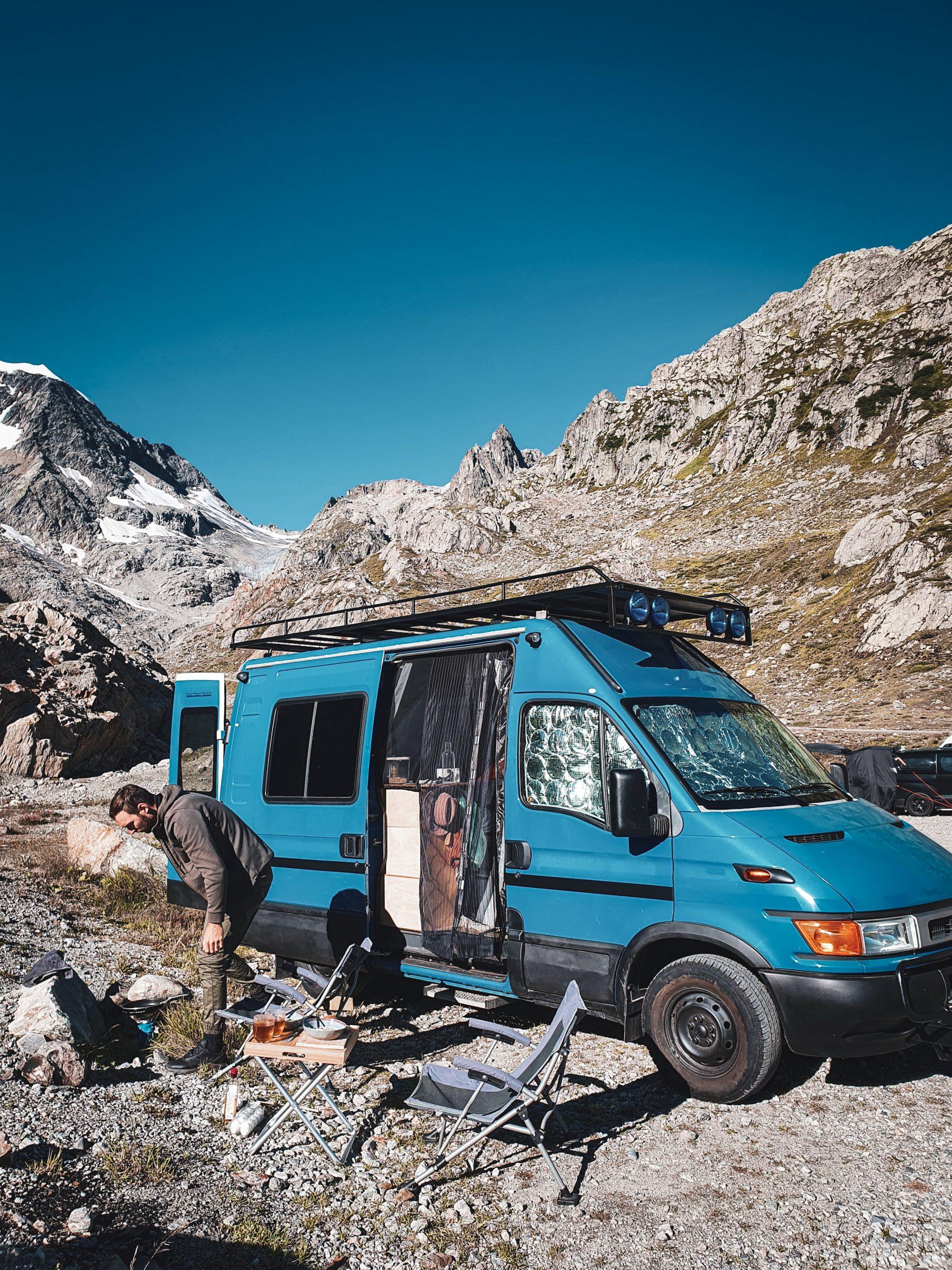 Wat kost een camperreis? | Campervan Fred bij Steingletsjer Zwitserland