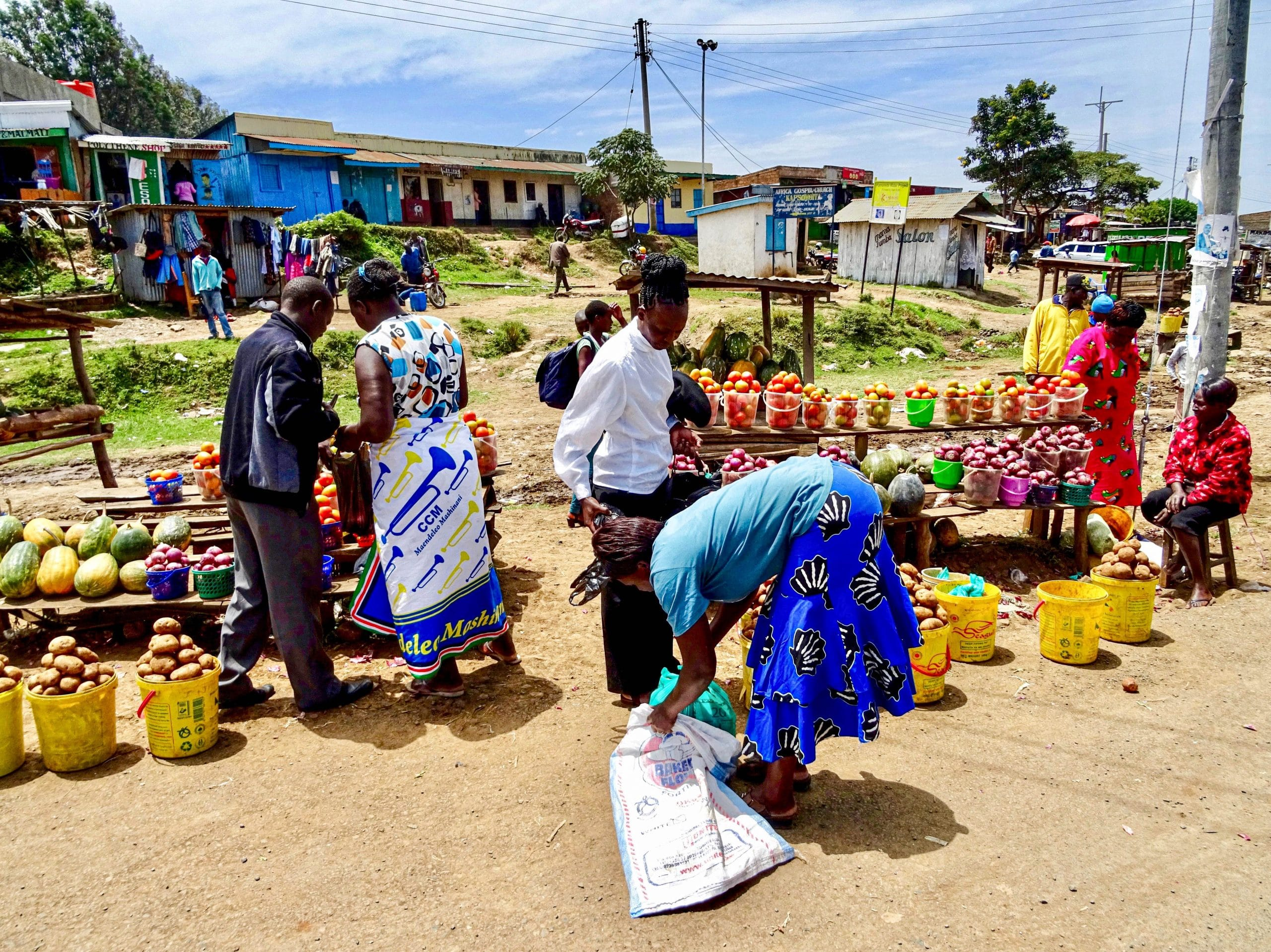 AGF kraampjes langs de weg in Chebole