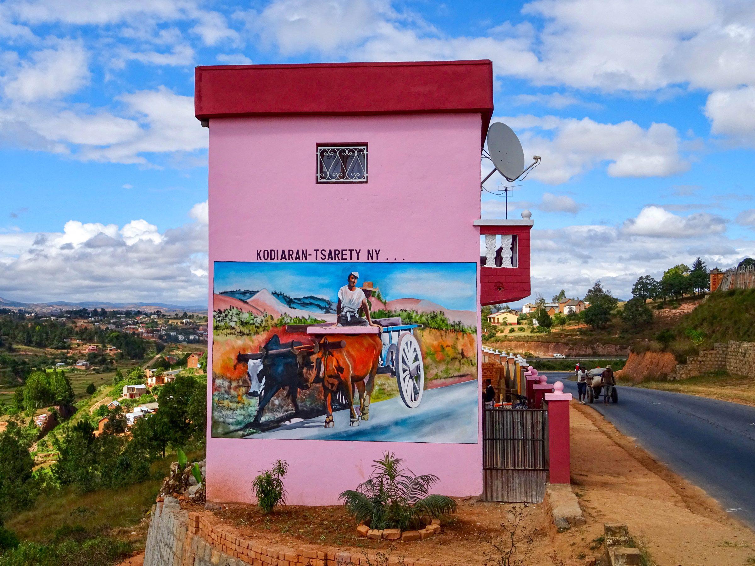 Artistieke muurschildering in Tsiafahy
