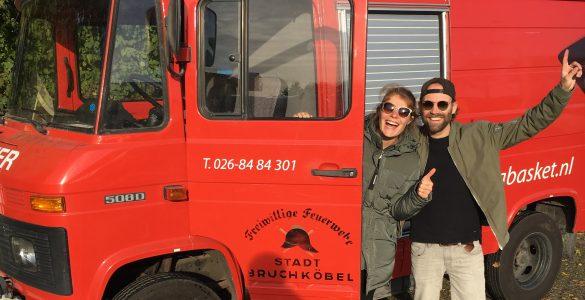 De Rugzakkies hebben een bus gekocht
