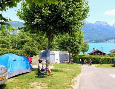 Camping-aan-het-meer-van-Annecy-Frankrijk