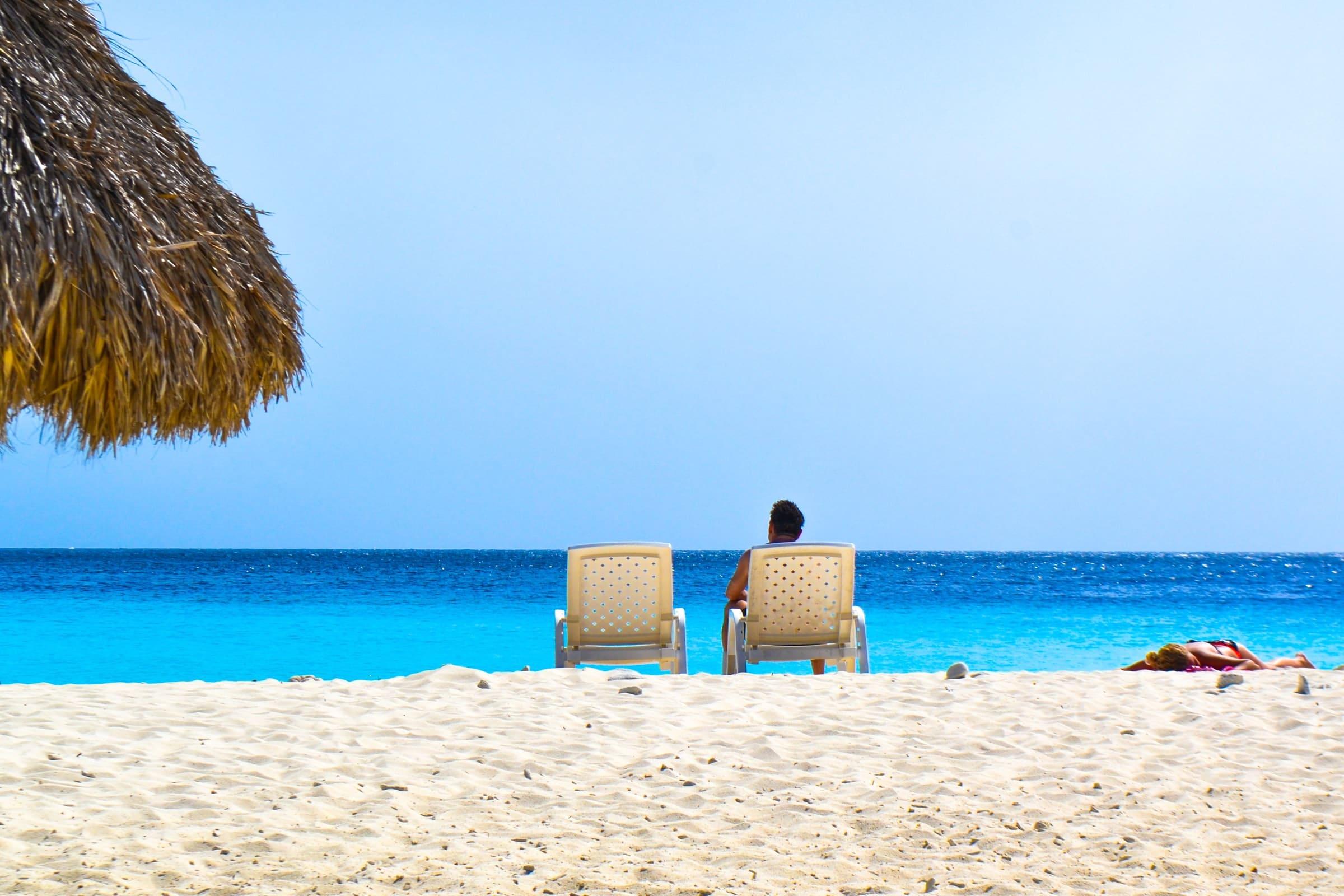Witte stranden en blauwe zee in Curaçao