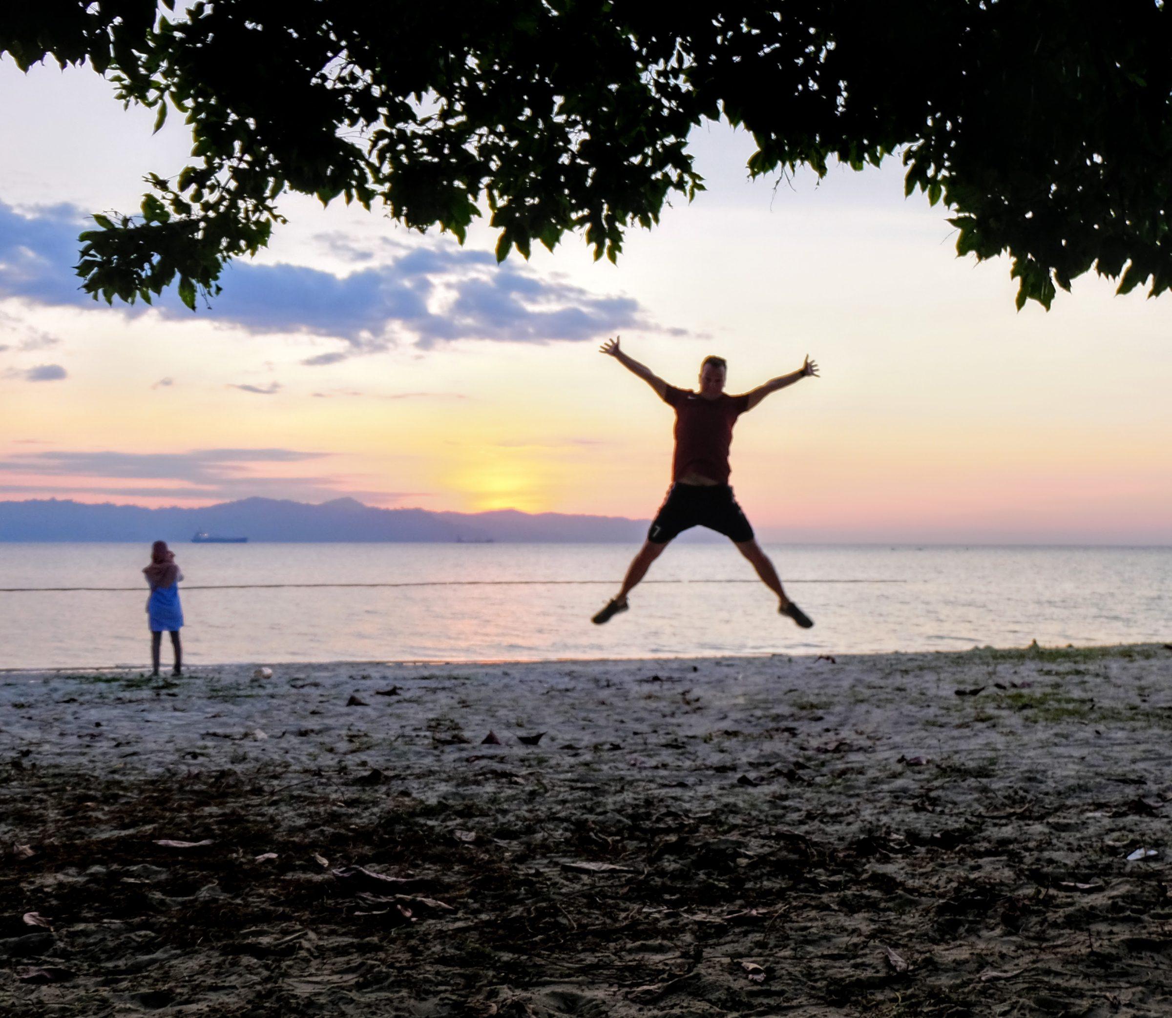 Een strand vlakbij Kota Kinabalu, Borneo