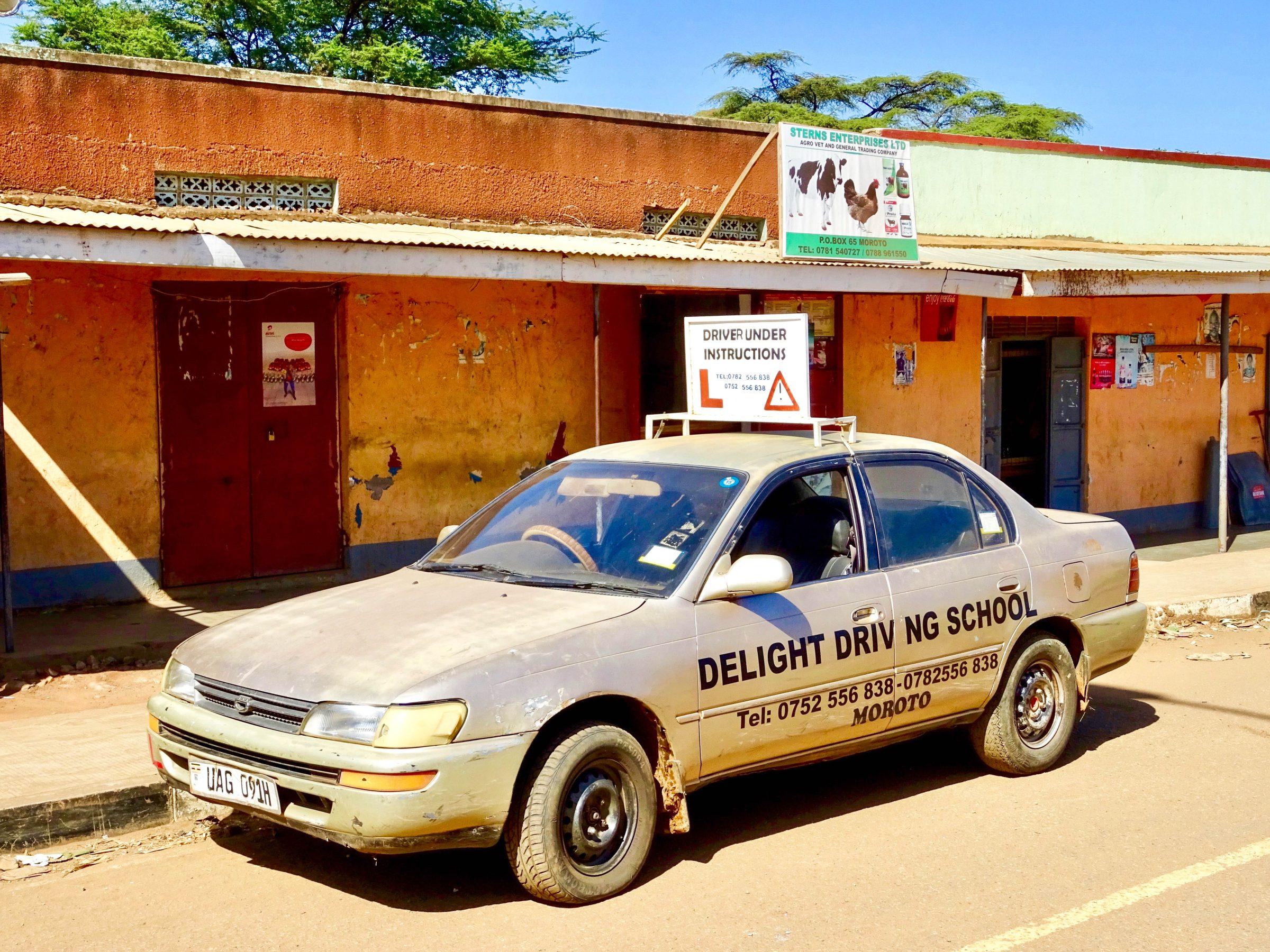 Rijlessen bij Delight Driving School in Moroto