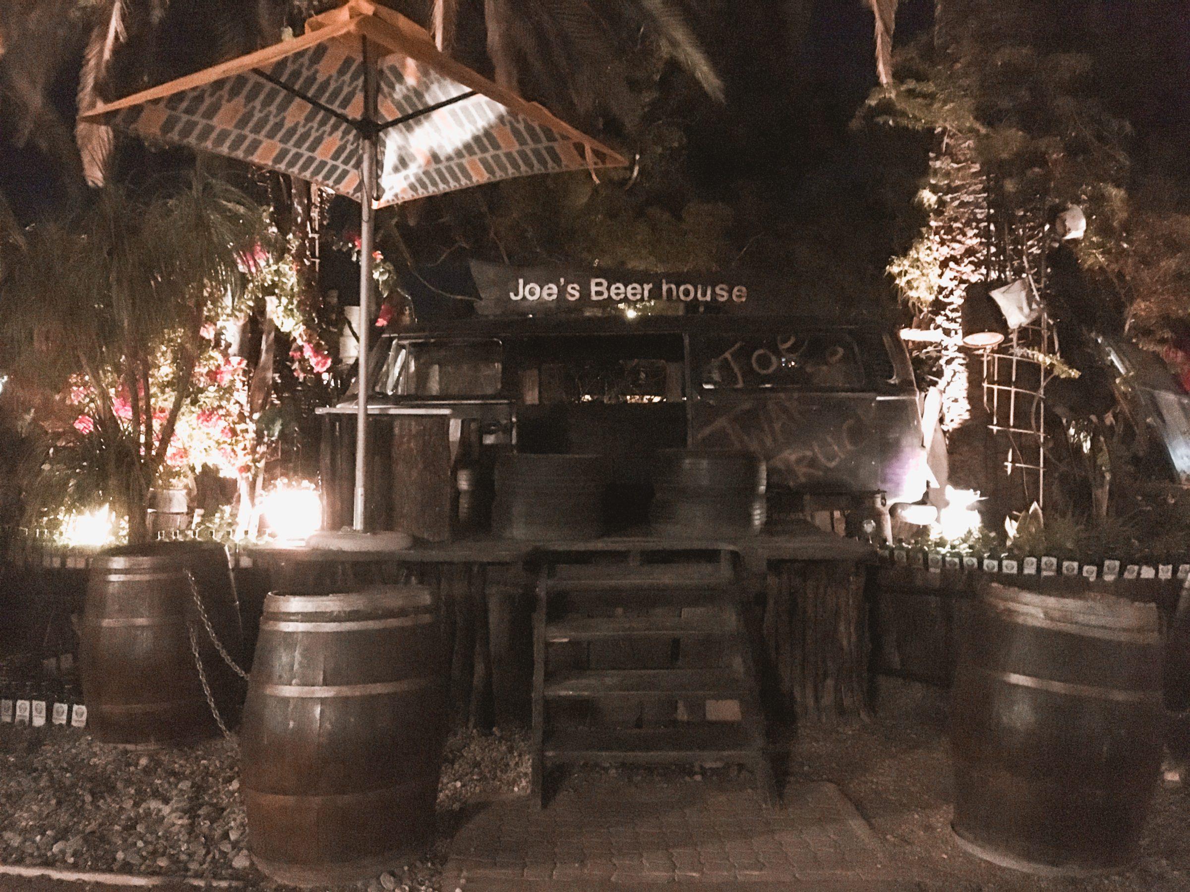 Ingang van Joe´s Beerhouse