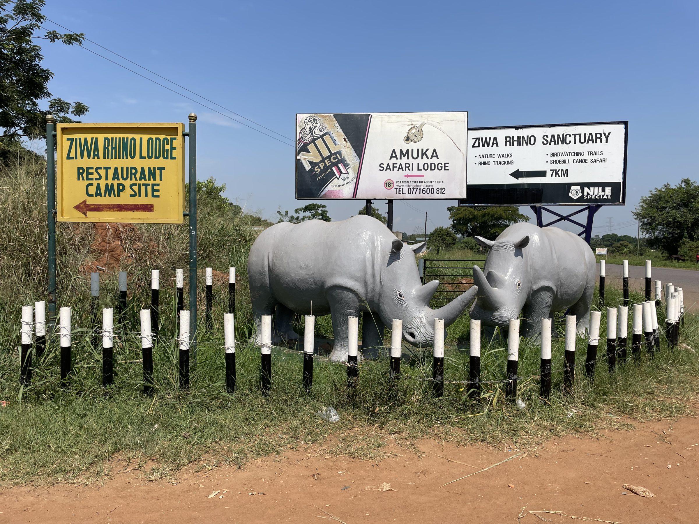 De toegang tot Ziwa Rhino Sanctuary