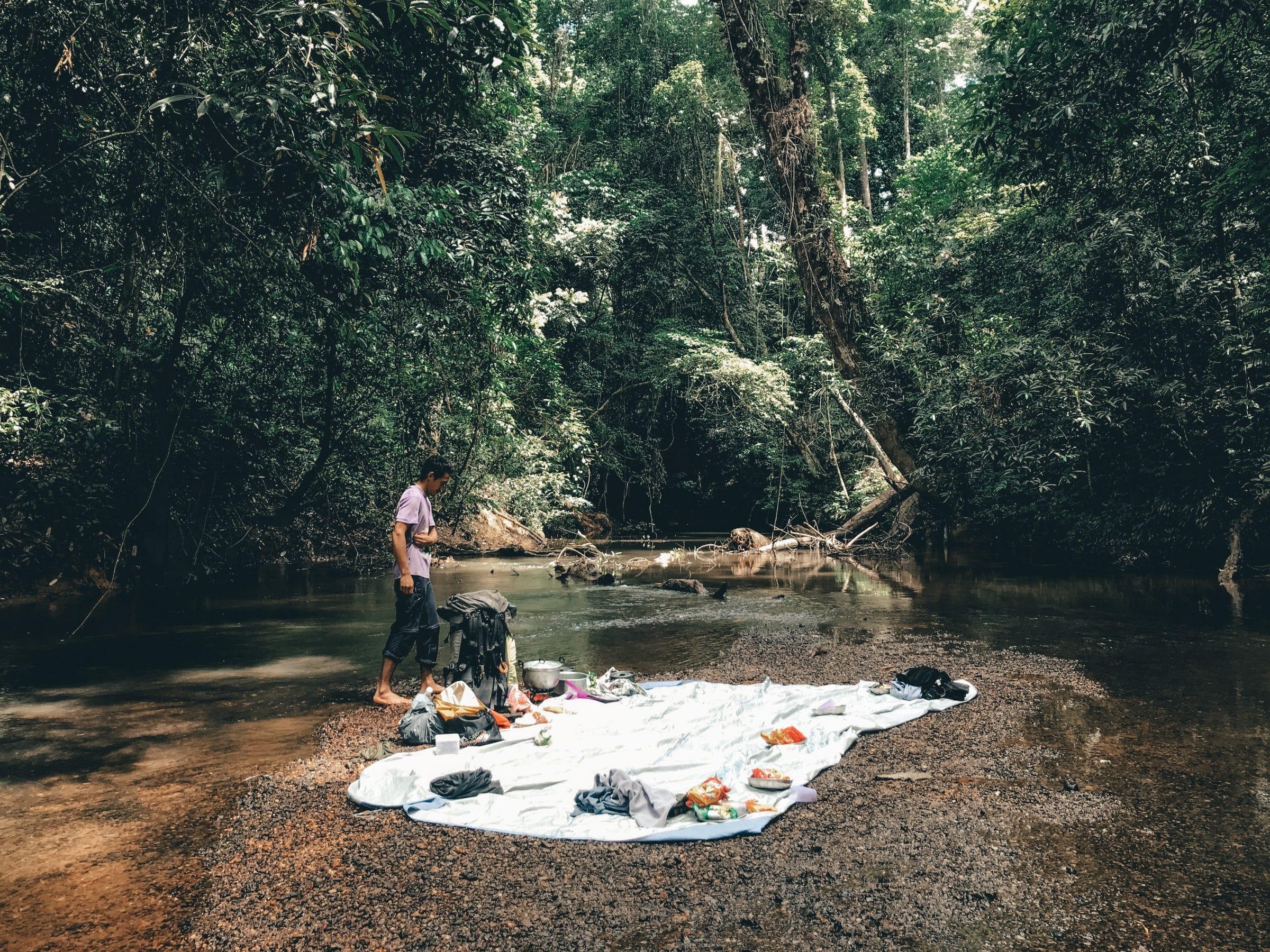 Lunchen in de jungle van Taman Negara, Maleisië