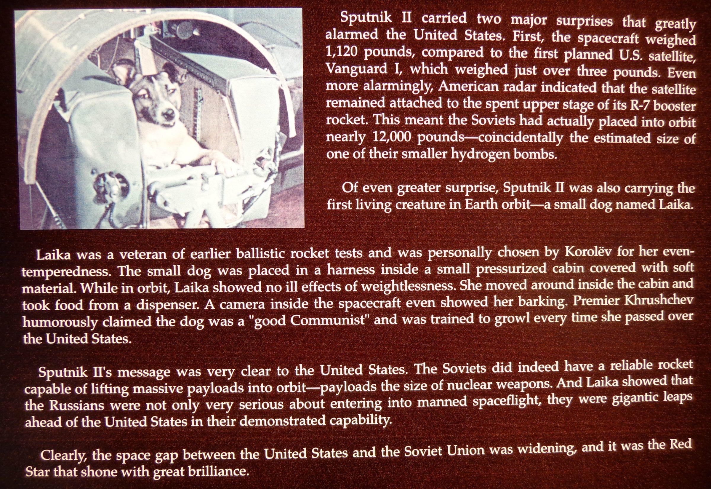 Een foto van een tekstbord in Comosphere, Hutchinson, Kansas