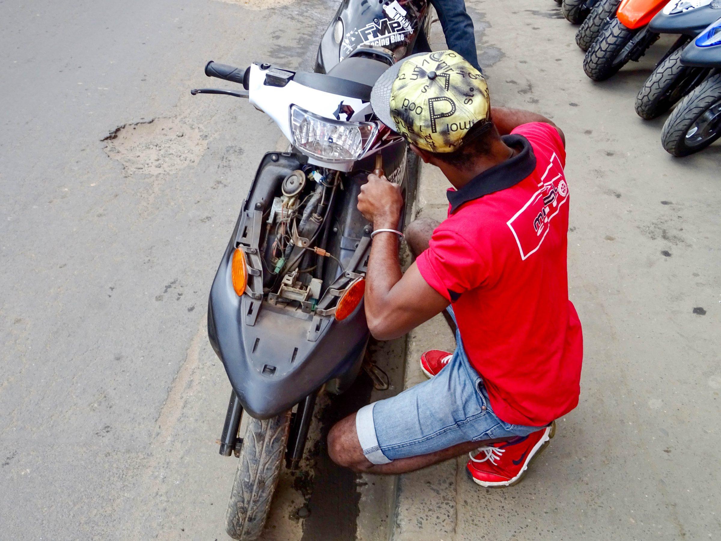 Laatste scootercheck in Antananarivo