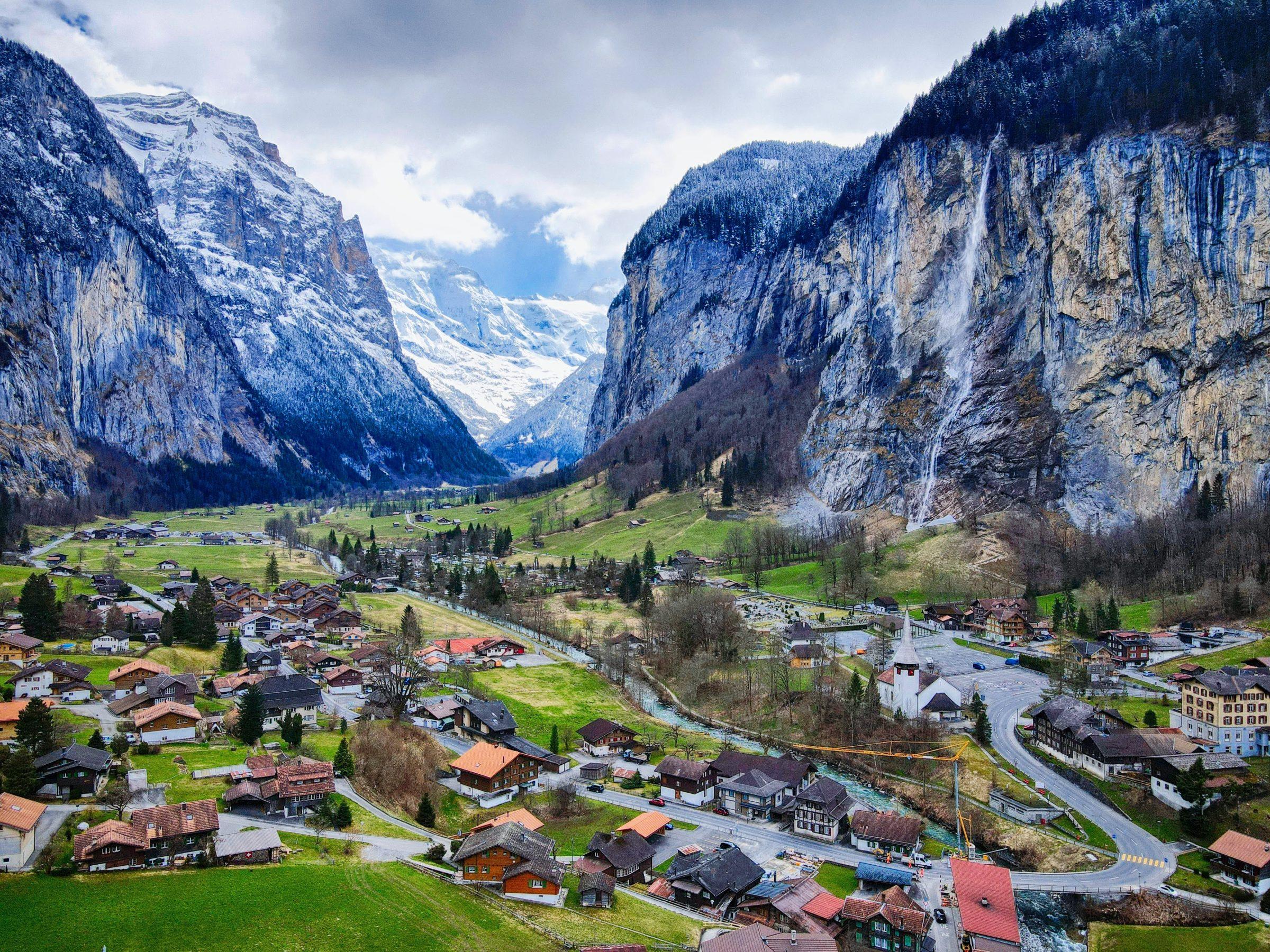 Lauterbrunnen en de Staubbach waterval, Zwitserland