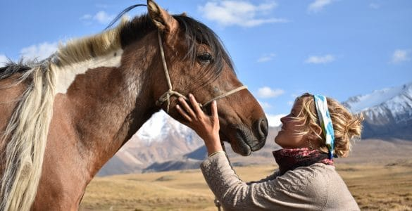 Tamar Valkenier - Fulltime avonturier en haar paardi