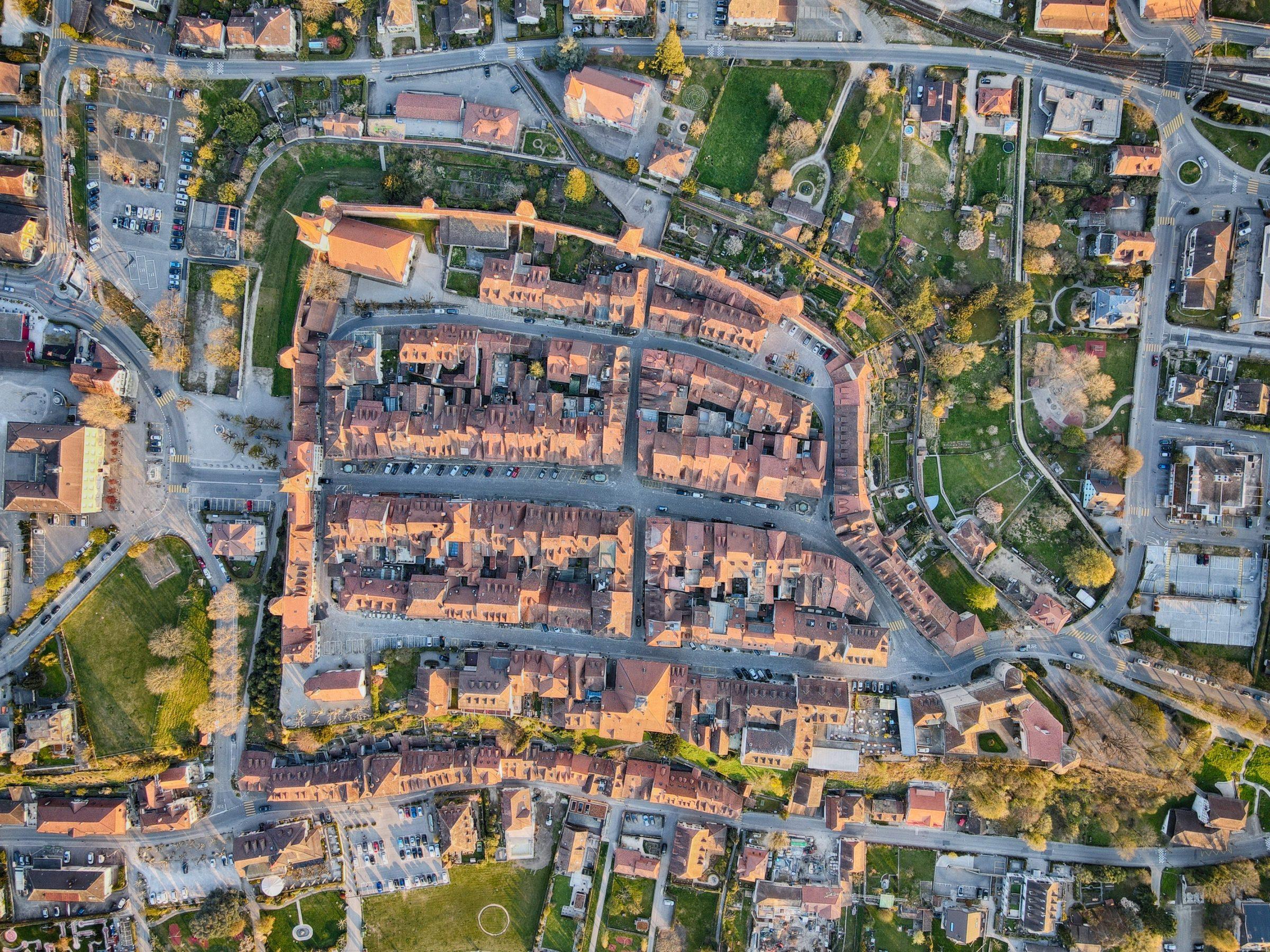 Murten van bovenaf - De stadsmuren zijn vanuit dit oogpunt goed te zien.