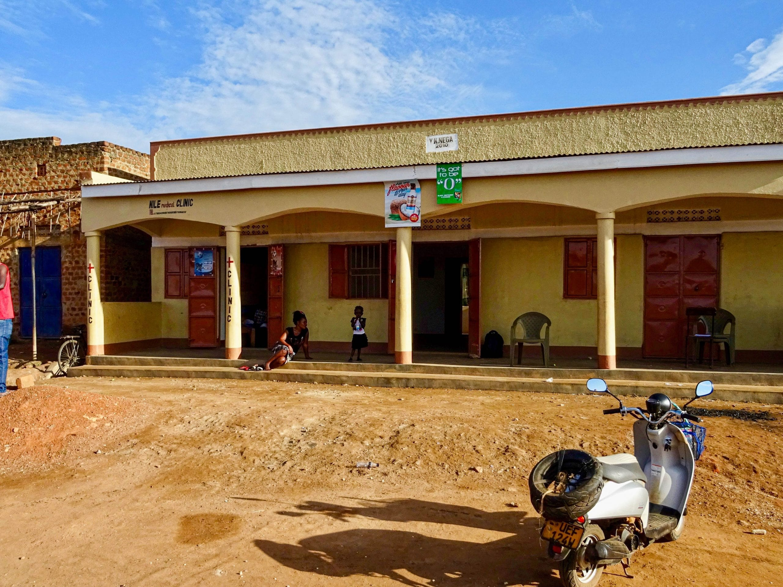Nile Medical Clinic en het guesthouse in Purongo