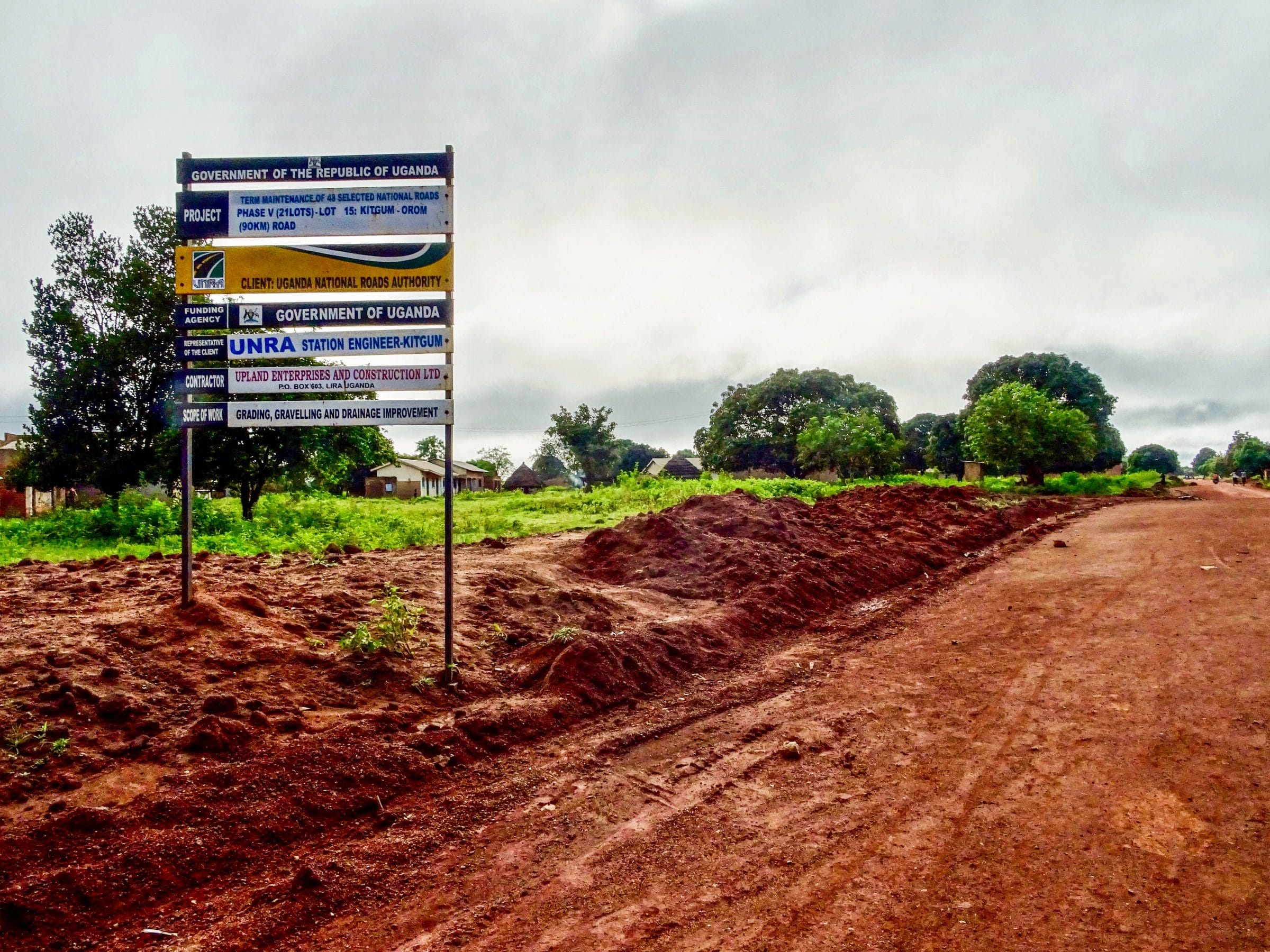 Wegwerkzaamheden op het 90 km lange traject Kitgum - Orom