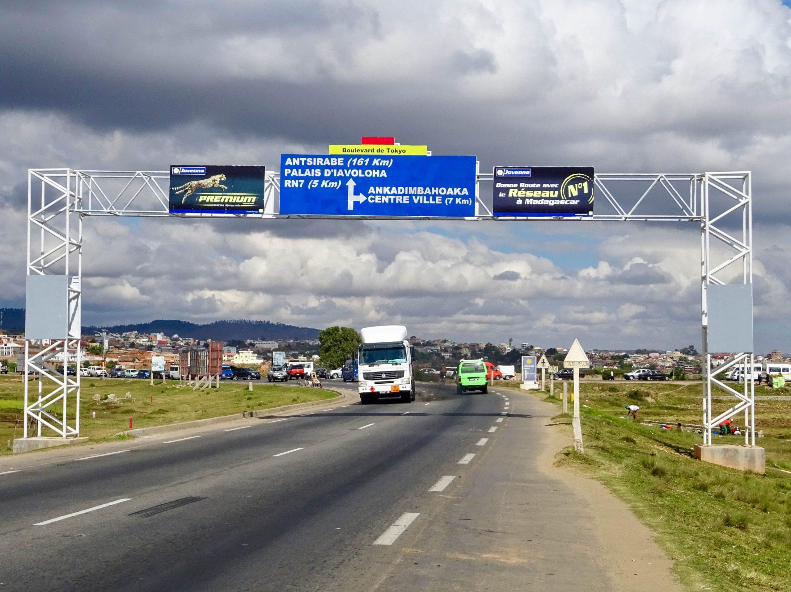 De by-pass road rond Antananarivo