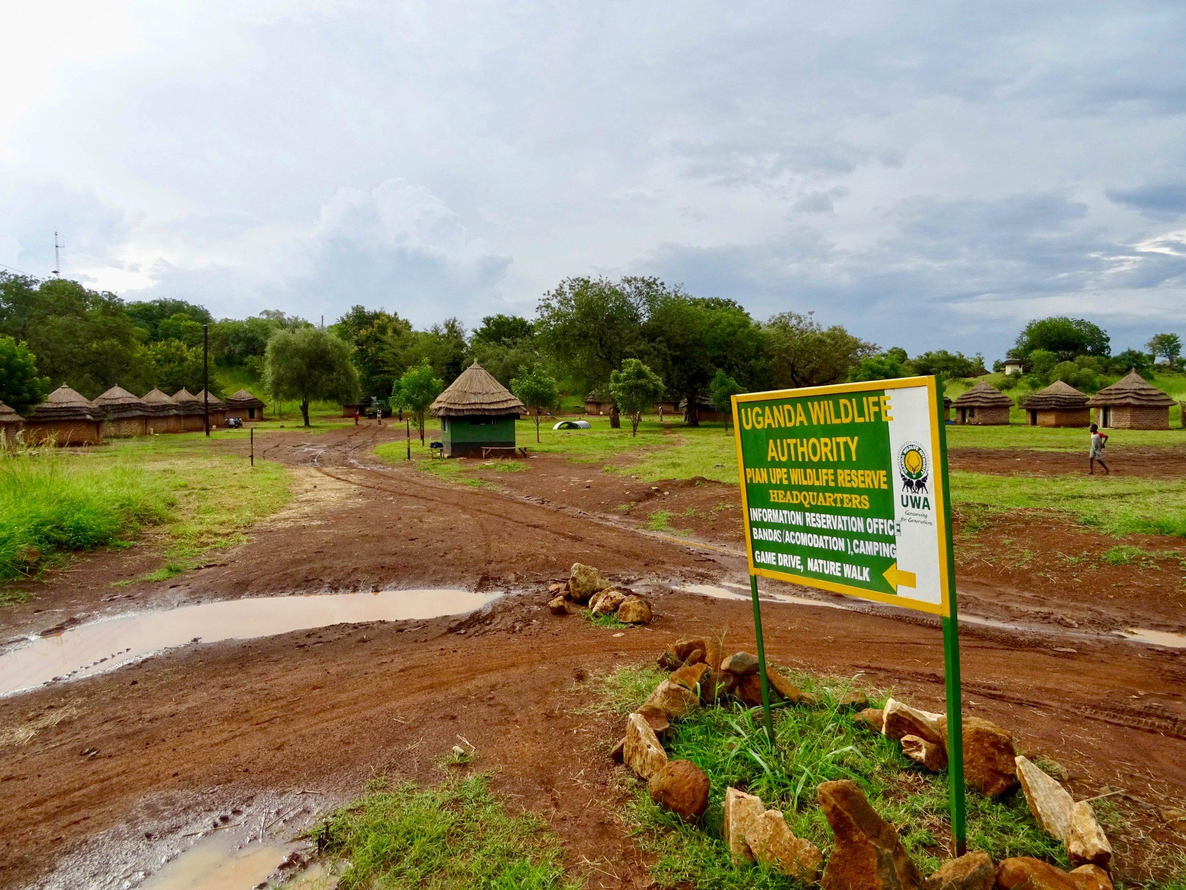 De ingang naar het restcamp van Pian Upe Wildlife Reserve