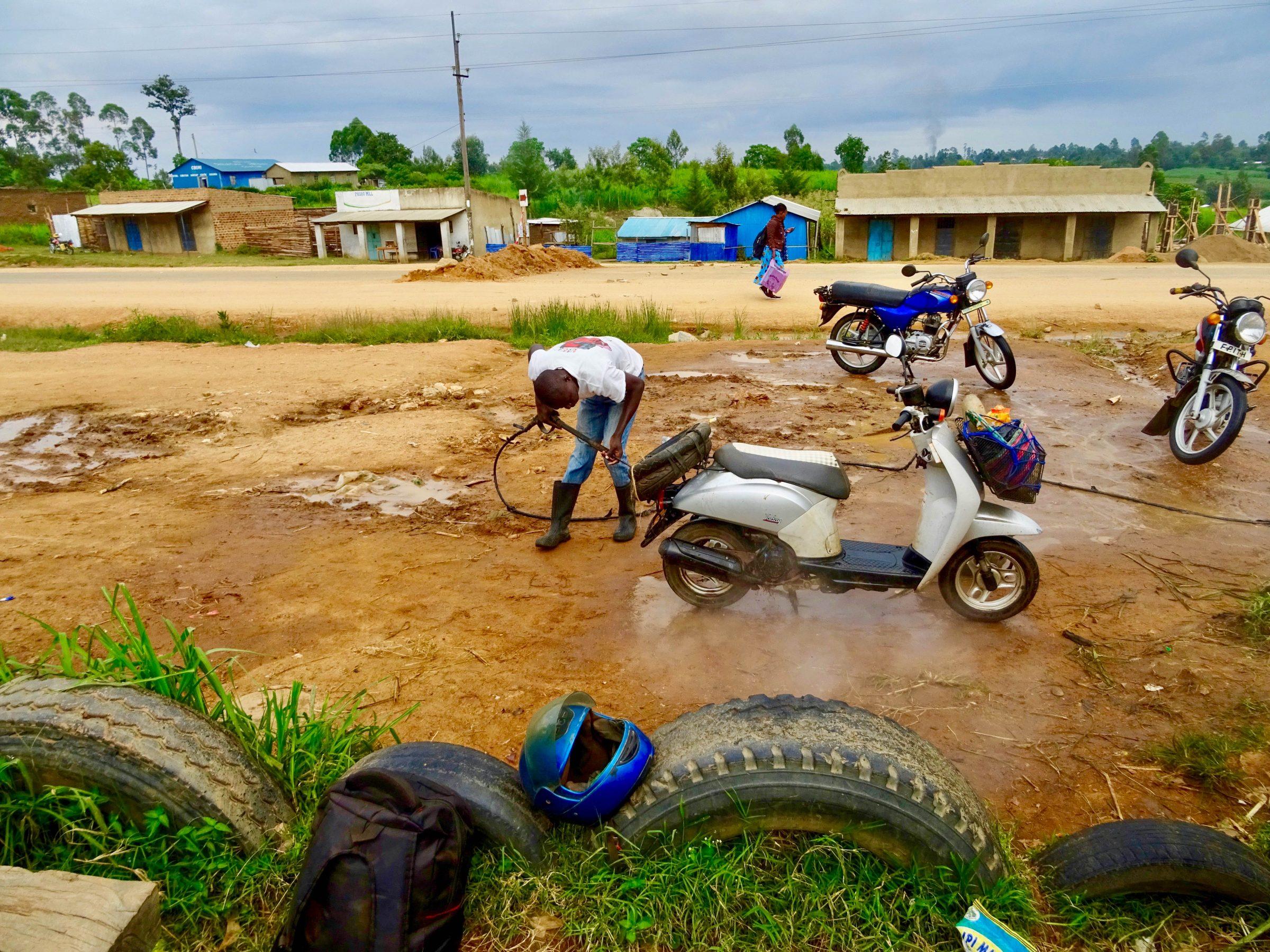 Scooter schoonmaak in Malava