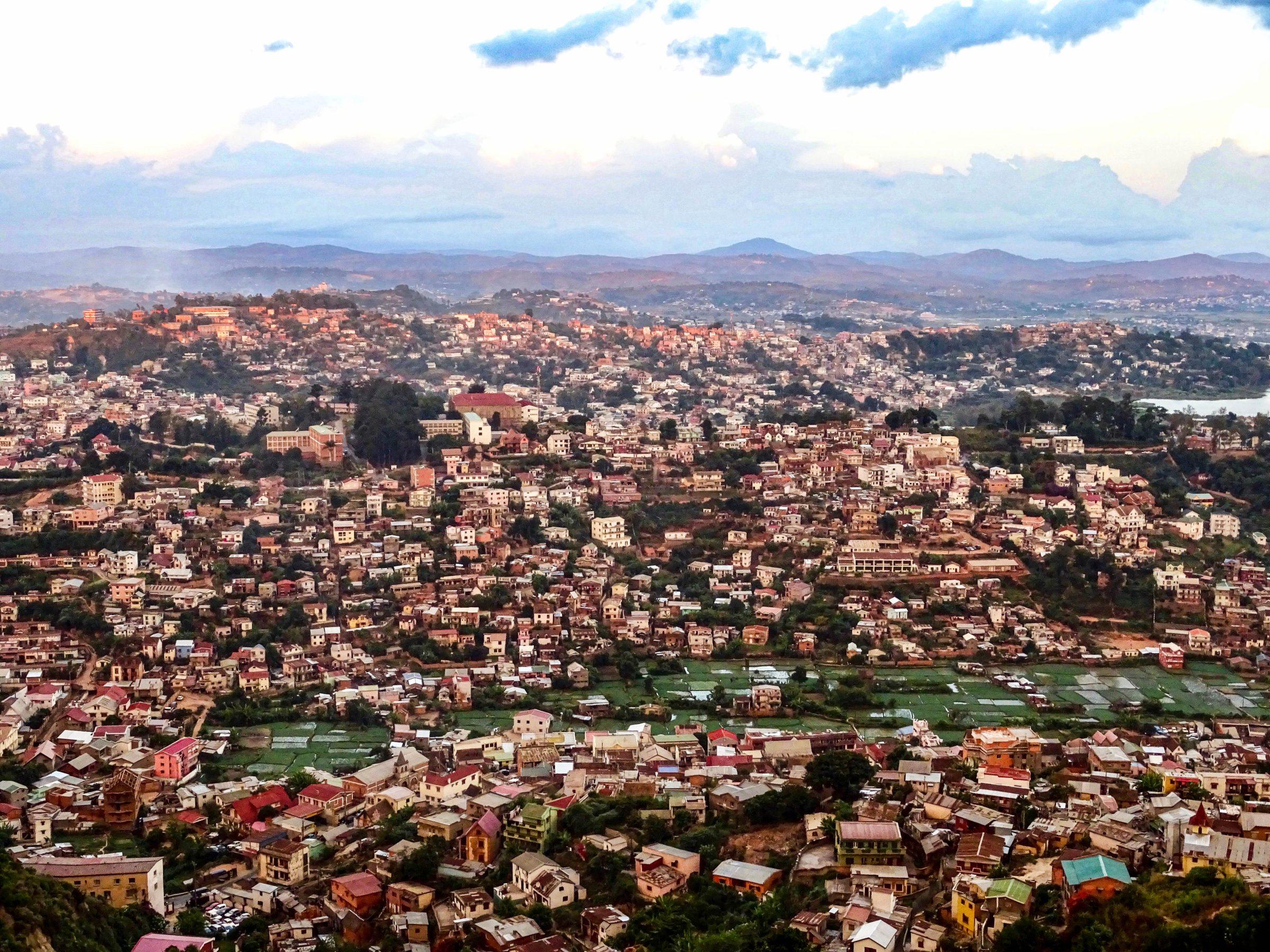 Uitzicht vanaf het paleis van de koningin in Antananarivo