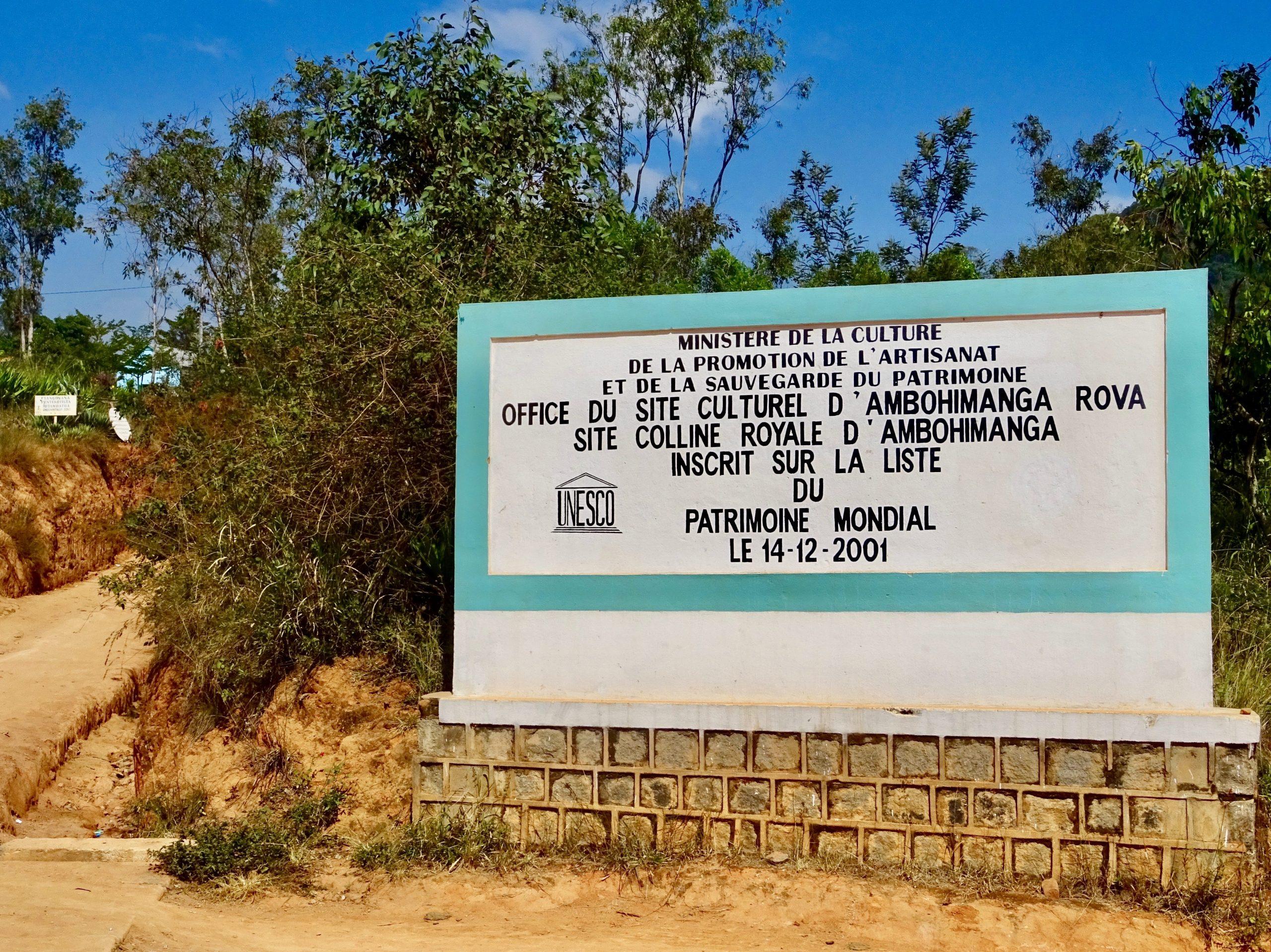 Het Unesco bord voor Paleis Ambohimanga