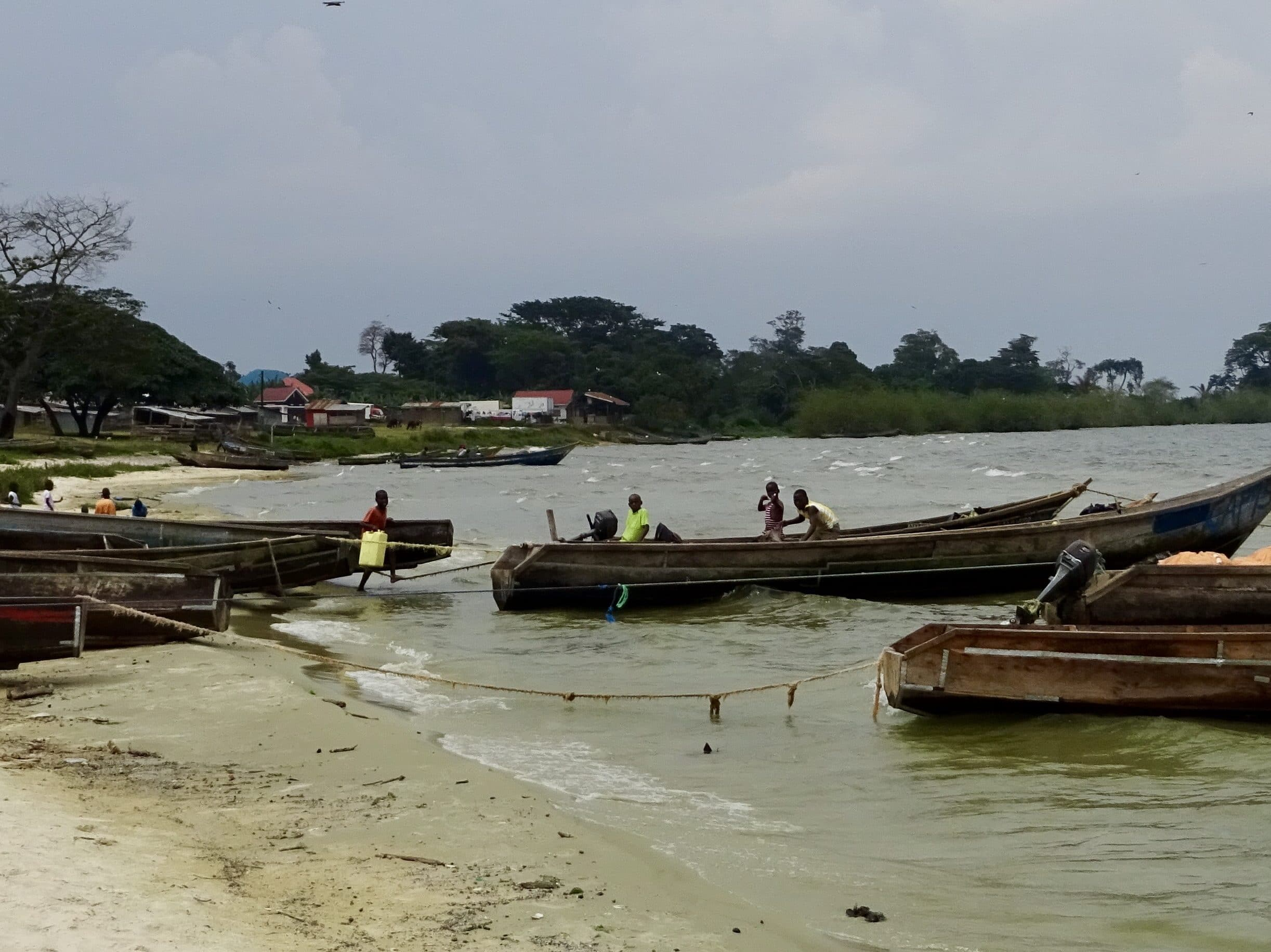 Vissers in Bube, Bugala Island