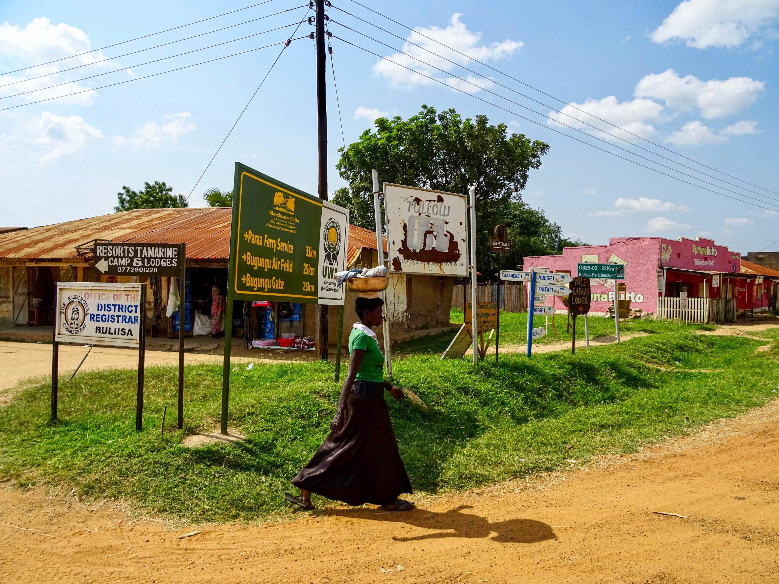 Het dorpje Buliisa, de zuidelijke toegang tot Murchison Falls National Park