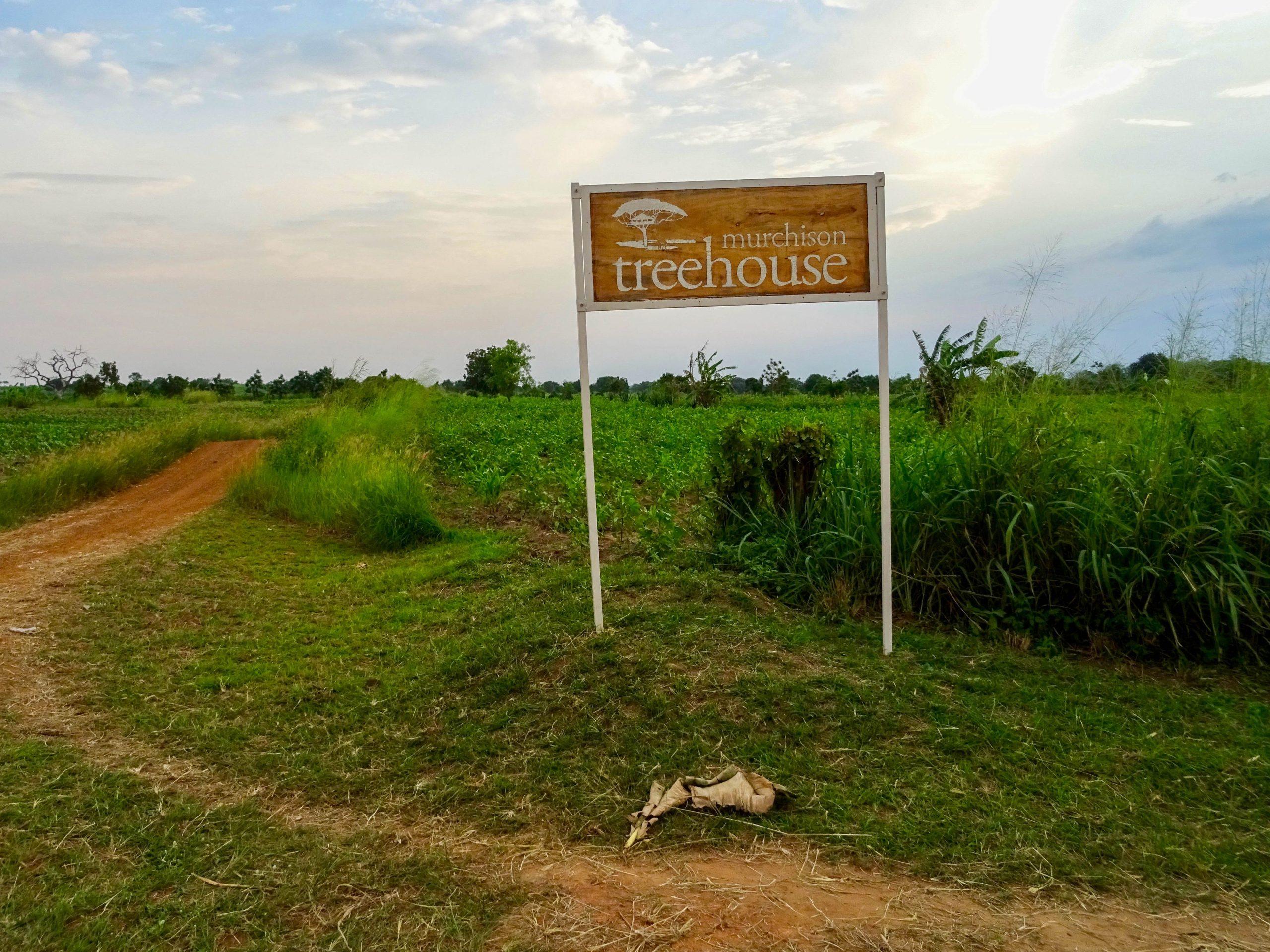 De zandweg naar Murchison Treehouse