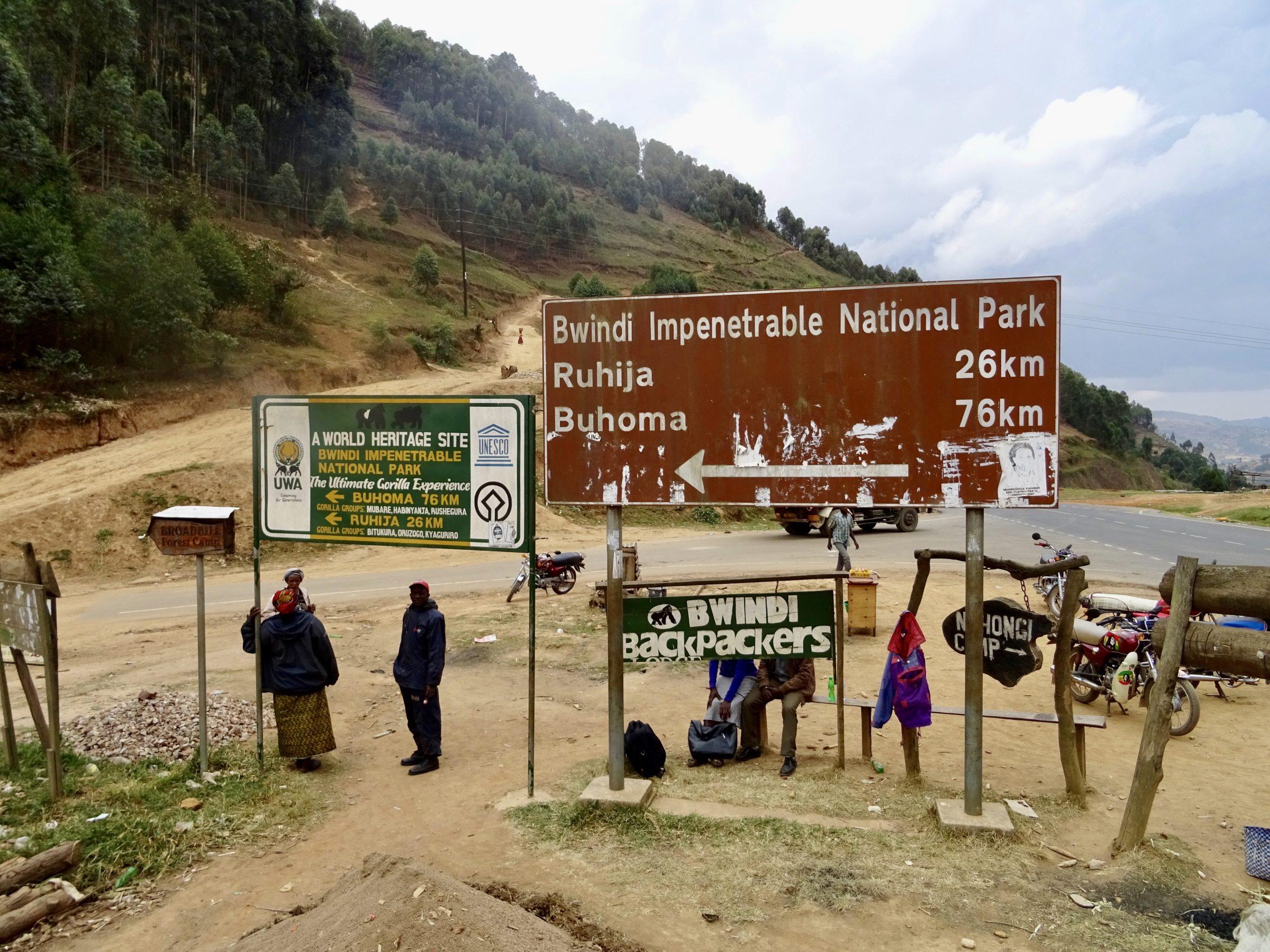 De afslag naar Bwindi