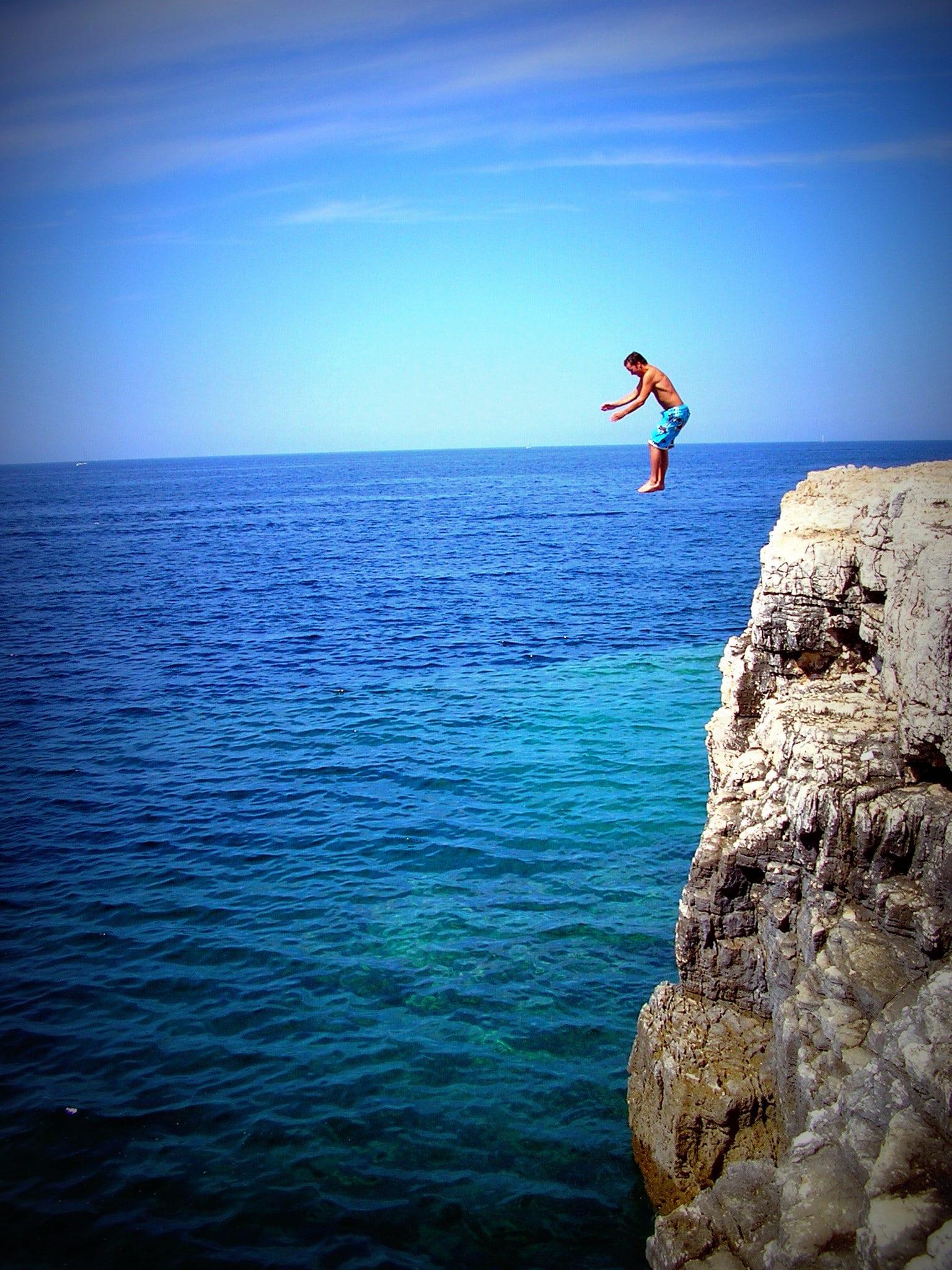 Cliff jumping in Kroatië - Camping Stoja bij Pula