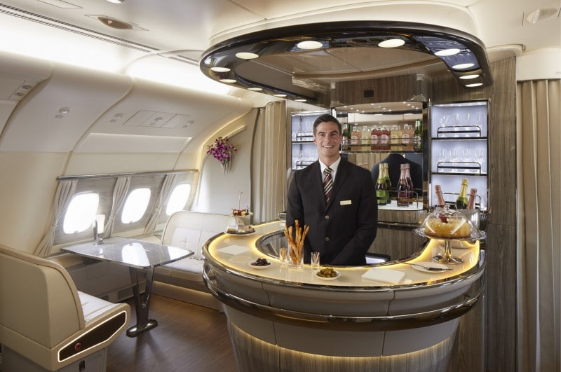 emirates airbus a380 onboard lounge en bar