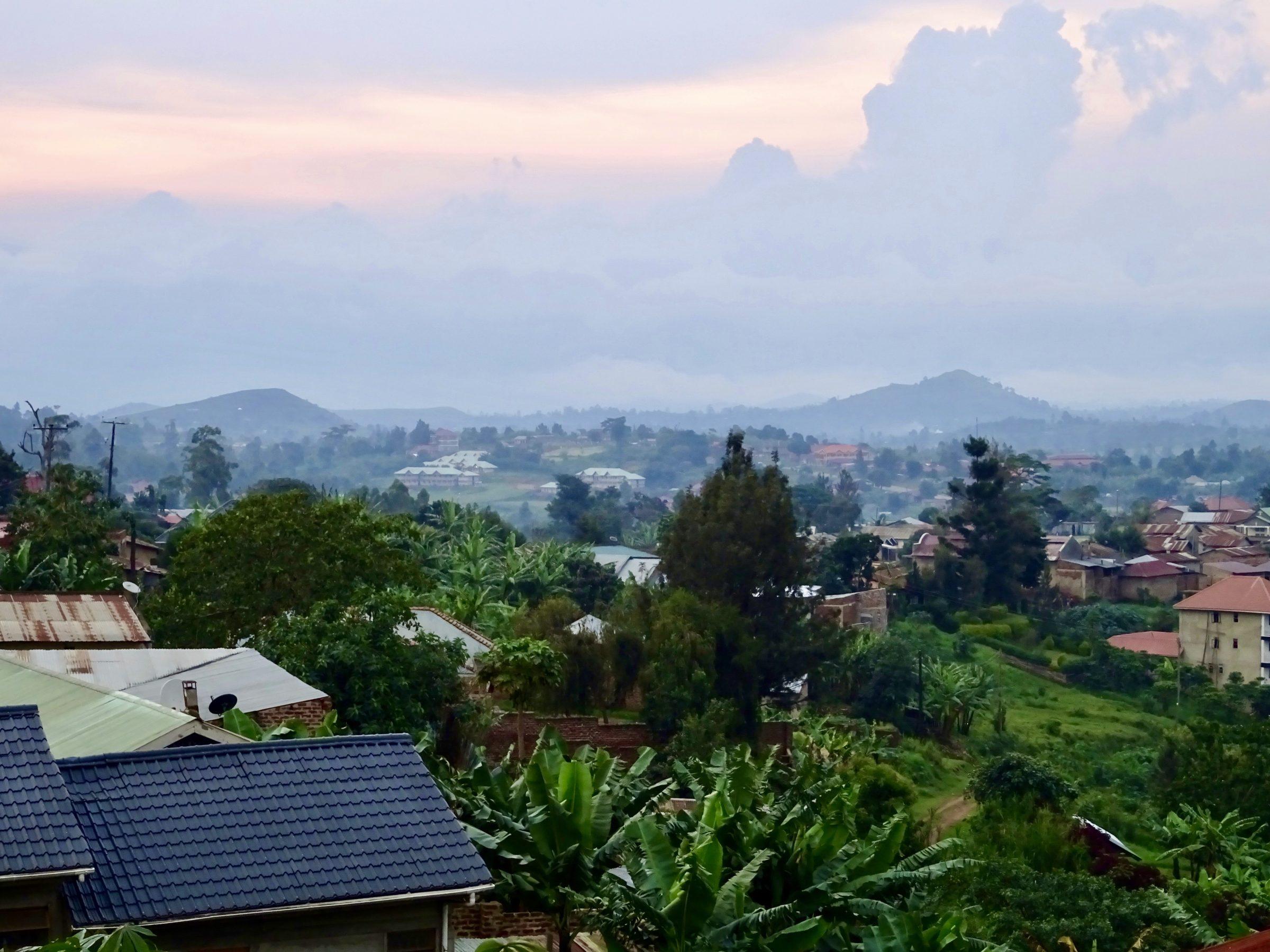 Uitzicht op Fort Portal vanuit mijn hotel