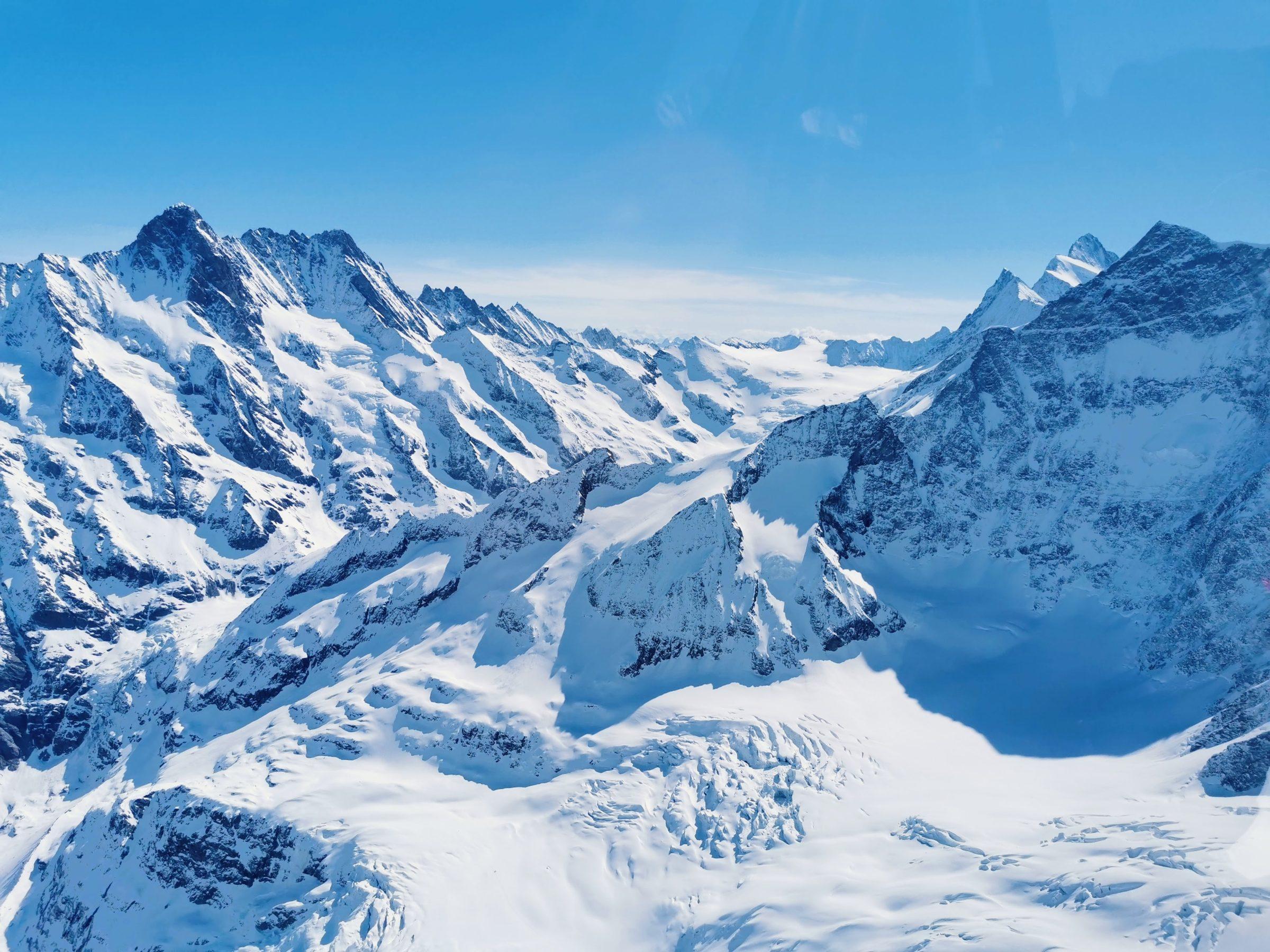 De eerste rits hoge bergtoppen | Helicoptervlucht Lauterbrunnen, Zwitserland