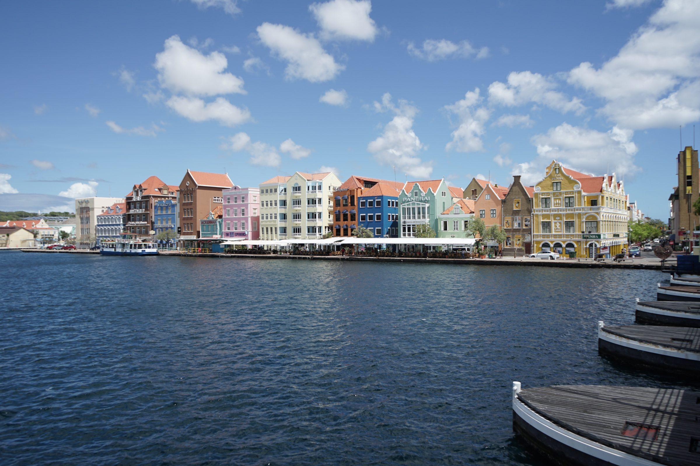Slenteren door Willemstad