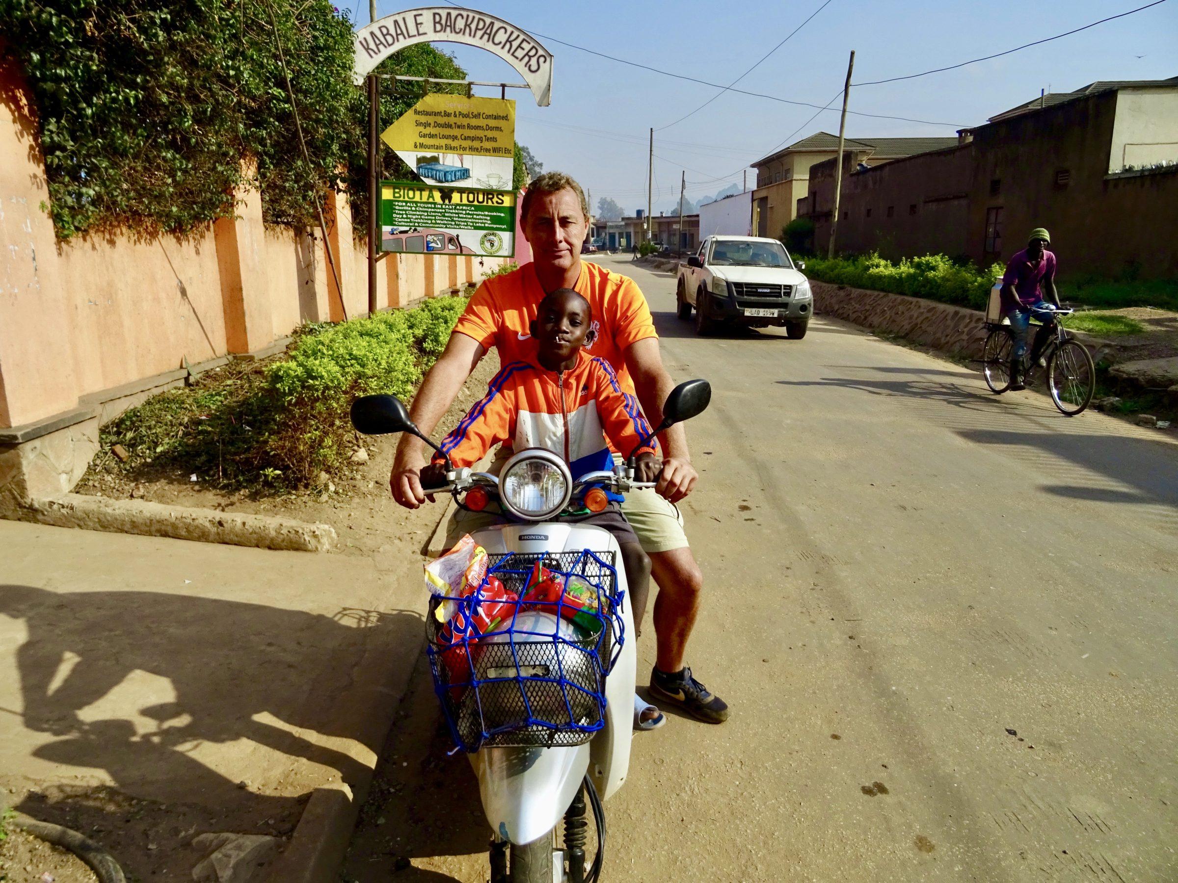 Samen met David voor Kabale Backpackers