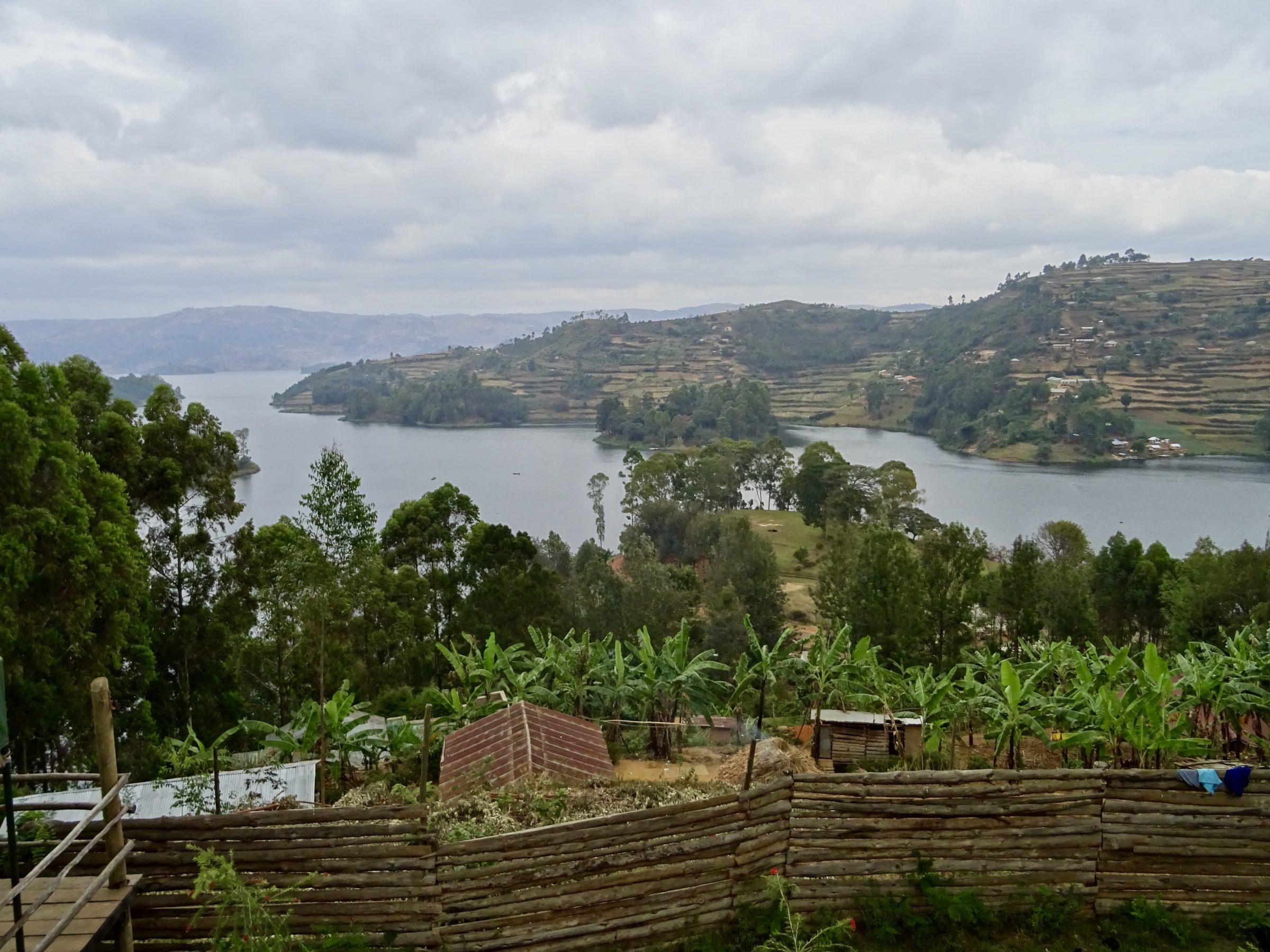 Lake Bunyonyi nabij Kabale