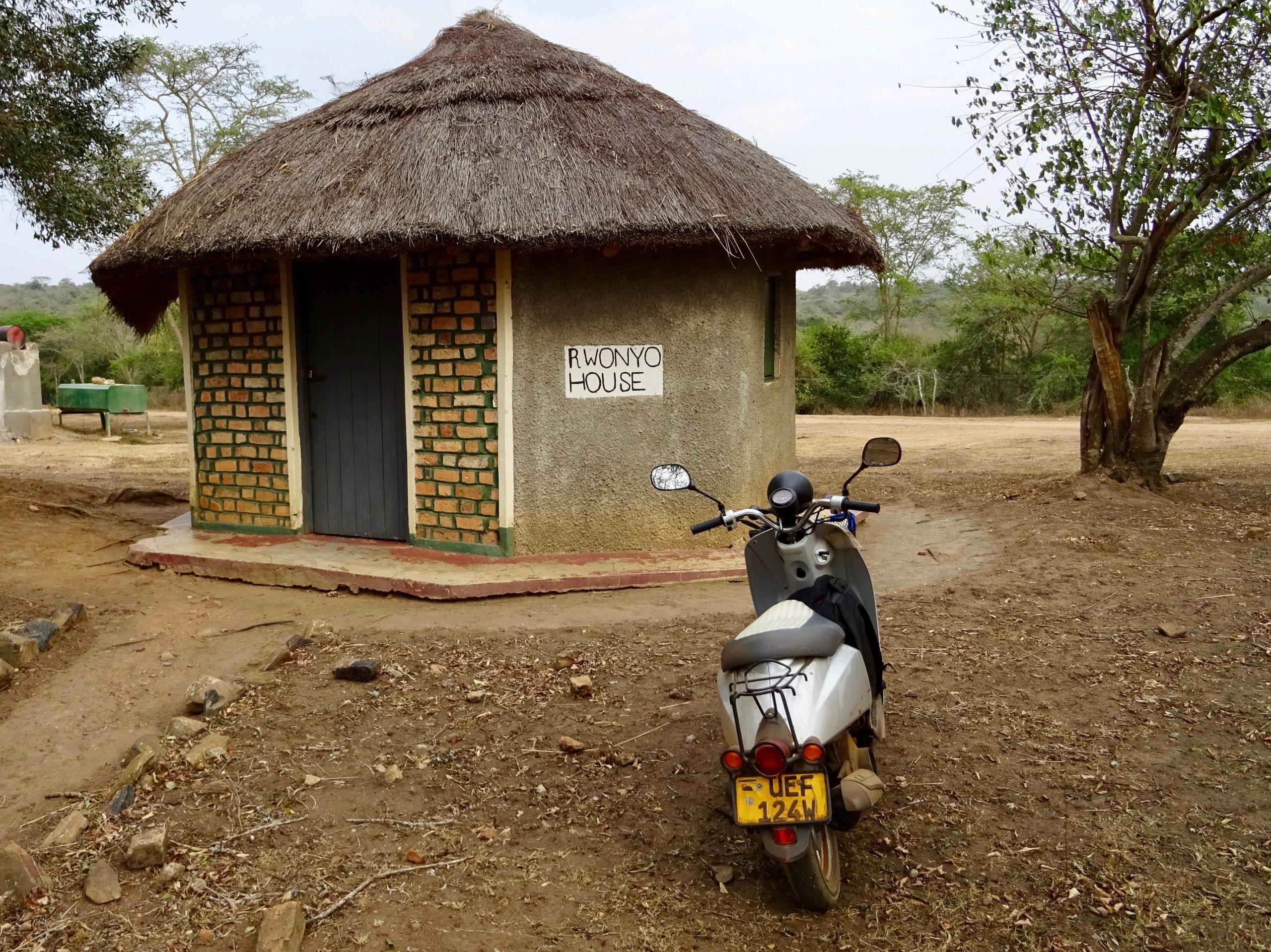 Rondavel in Lake Mburo NP