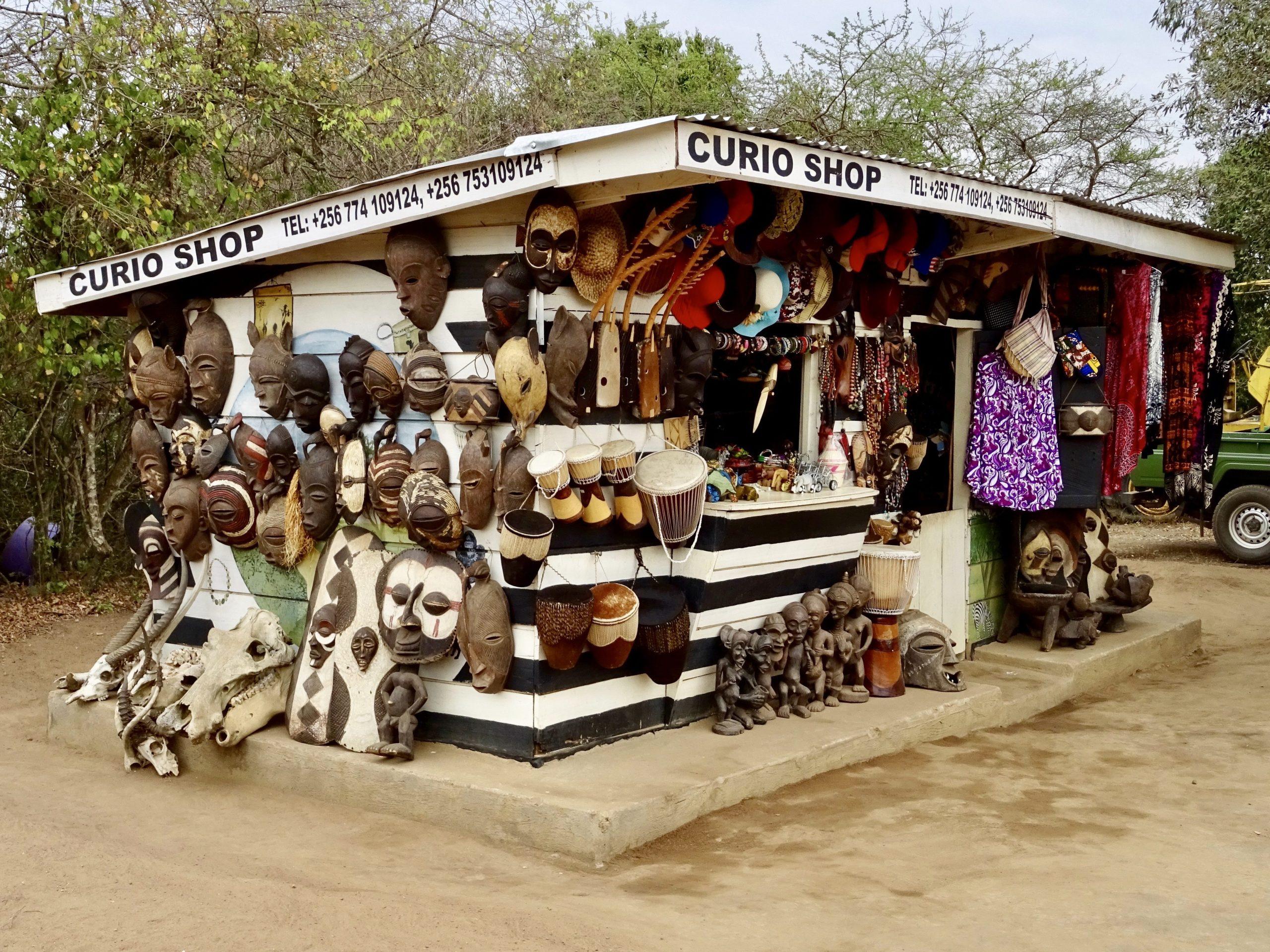 Souvenirwinkel Rwonyo rest camp Lake Mburo