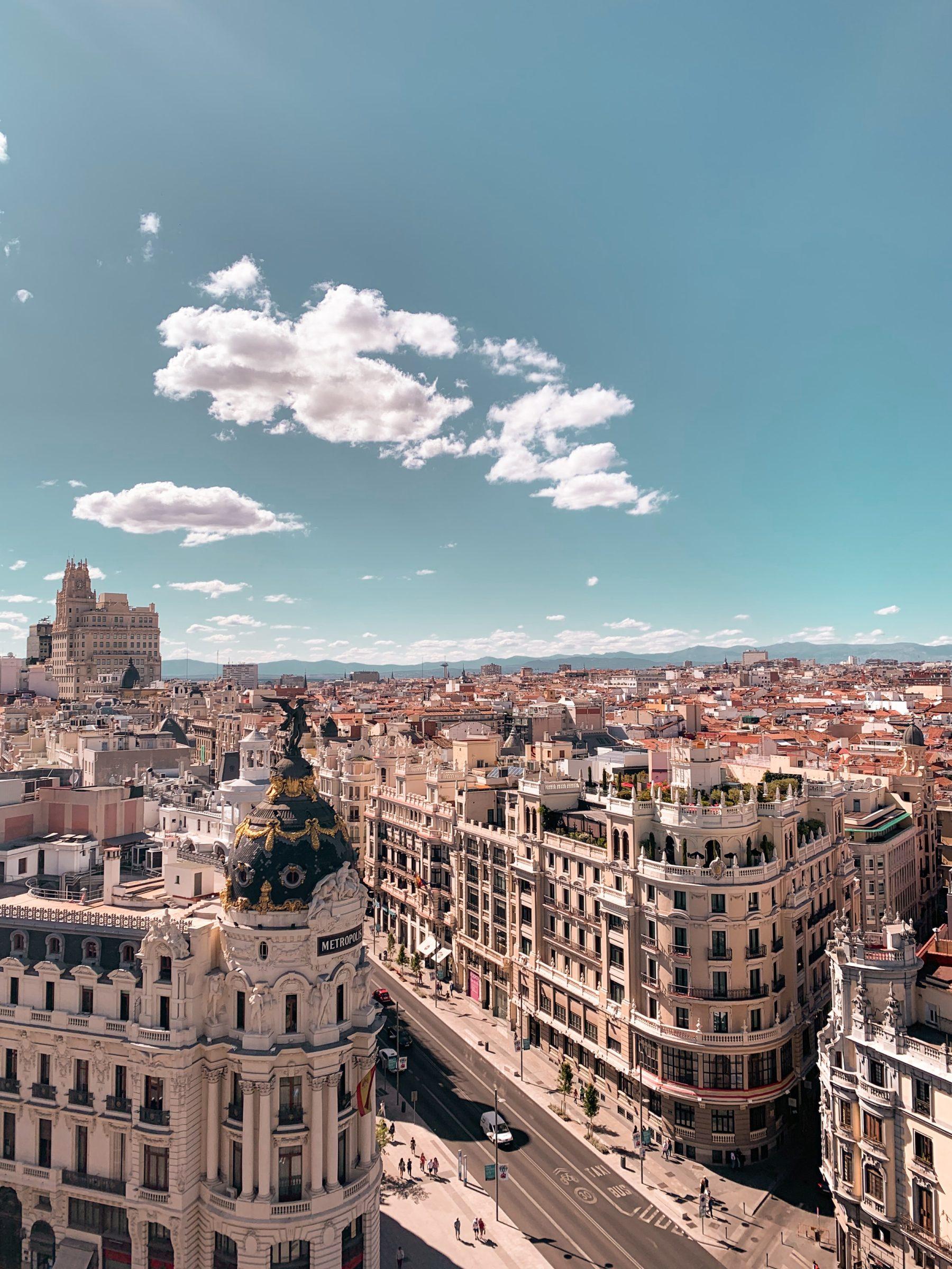 De prachtige straten van Madrid in Spanje