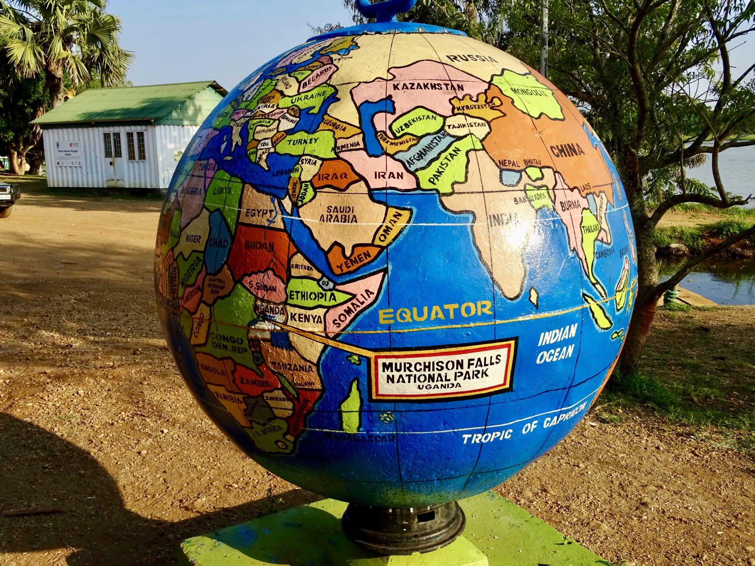 De globe op de kade in augustus 2017 (nu volledig onder water)