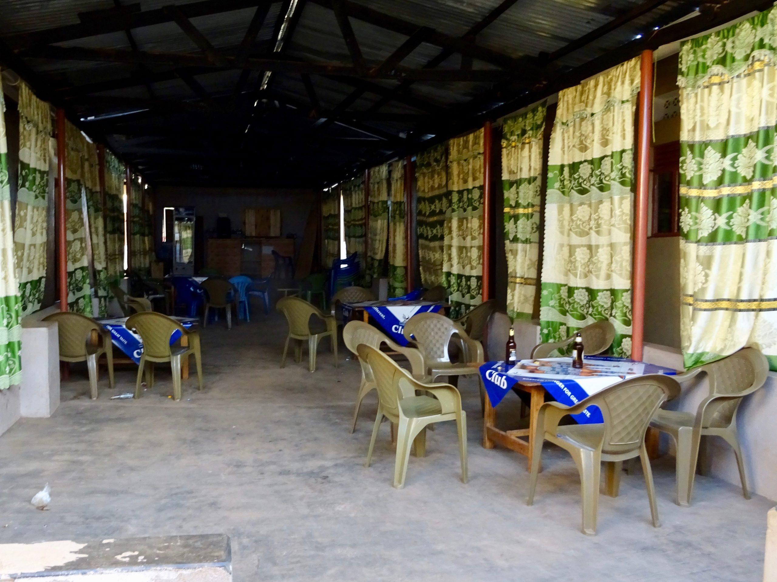 De bar van het guesthouse in Purongo, de volgende ochtend