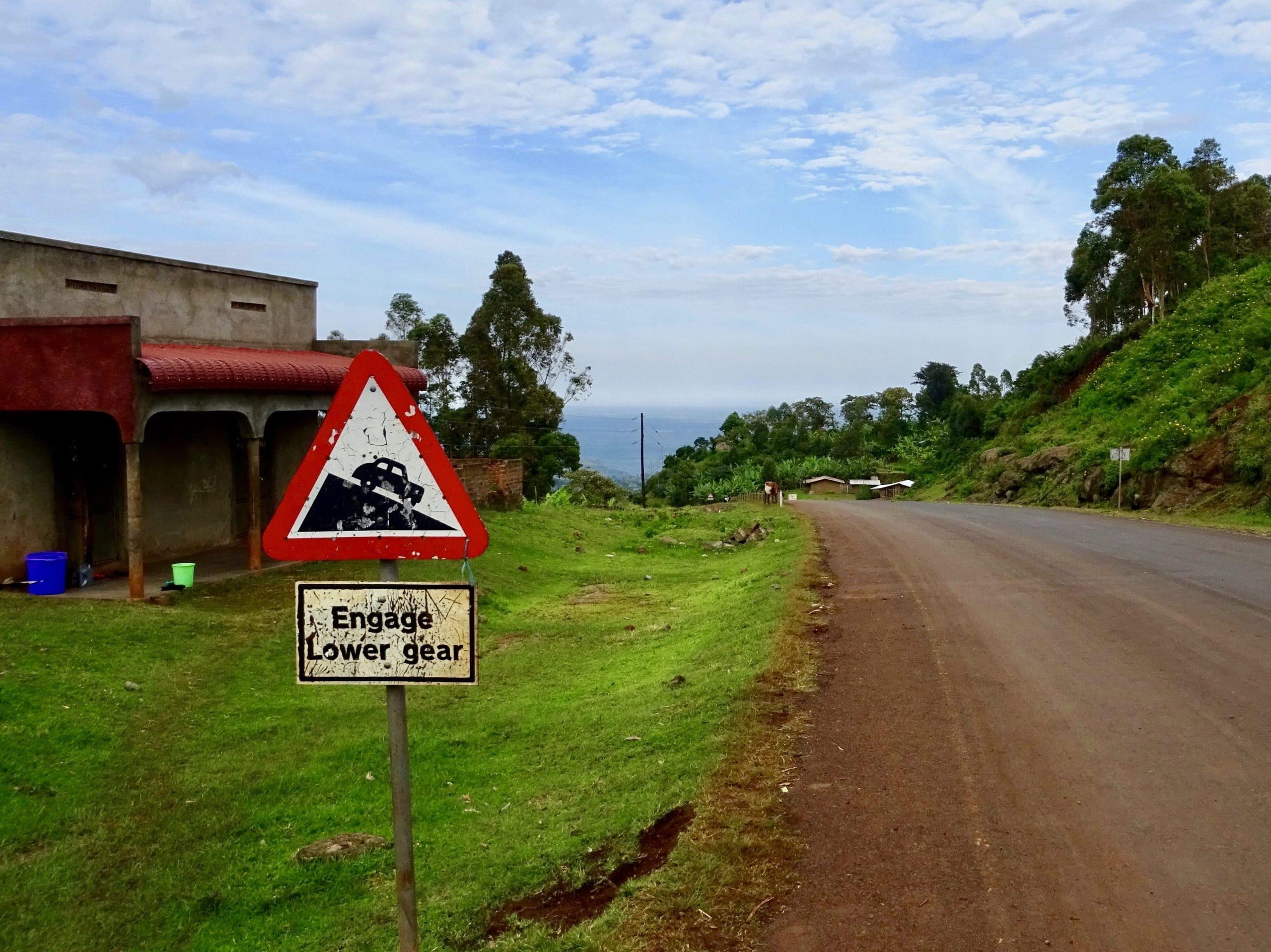 De weg naar Sipi Falls kent een flink stijgingspercentage